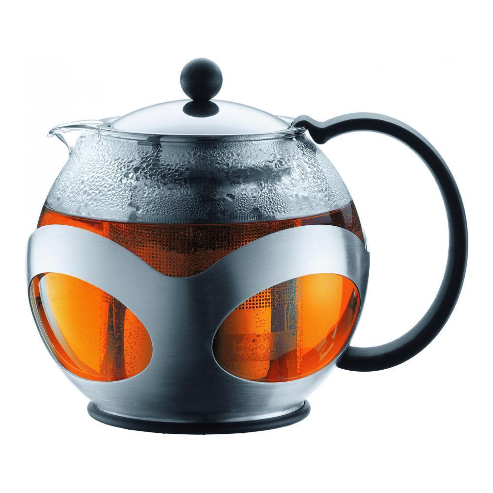 Френч-пресс Bodum Kenya, 500 мл10695-16Френч-пресс Bodum Kenya, выполненный из термостойкого стекла, послужит вам не только для приготовления чая, но и для подачи чая к столу. Благодаря резервуару из прозрачного стекла можно легко определить момент закипания воды, а также количество оставшегося чая в френч-прессе. Крышка и фильтр чайника, отделяющий чайные листья от воды, выполнены из высококачественной нержавеющей стали. Эстетичный и функциональный, с эксклюзивным дизайном, френч-пресс Bodum Kenya дополнит интерьер и придаст ему оригинальности. Высота чайника (с учетом крышки): 14 см. Диаметр основания: 8 см. Диаметр по верхнему краю: 8 см.