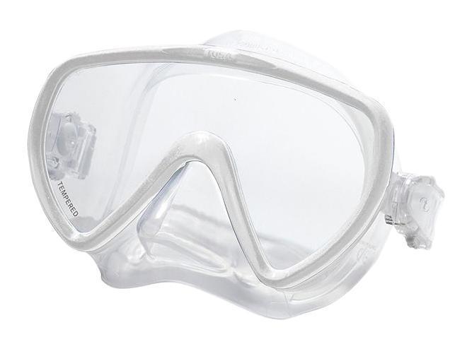 Маска для плавания Tusa Concero, цвет: прозрачныйTS M-17 TОднолинзовая маска M-17 обеспечивает исключительный обзор и малое подмасочное пространство. Также модель имеет запатентованный трехмерный ремешок и скругленный край обтюратора. Новый дизайн пряжек регулировки ремешка, закрепленных на обтюраторе, улучшает комфорт и легкость регулировки. Кроме того, модель Concero - единственная безрамная маска TUSA, выпускаемая в различных цветовых вариантах.