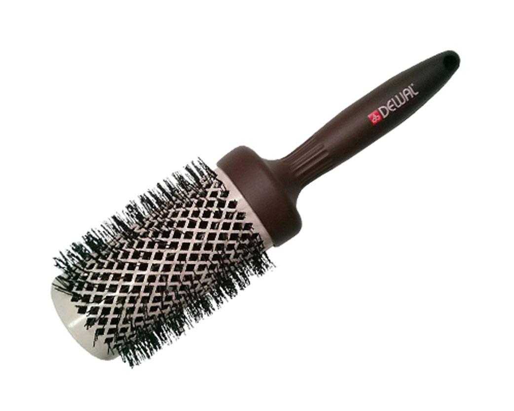 Dewal Расческа круглая Mocca с керамическим покрытием, волнистой щетиной и антистатиком. BRM53BRM53В ассортименте торговой марки Dewal имеются расчески на все случаи жизни, с помощью которых можно выполнять стрижки, укладки, модельные причёски и другие манипуляции с волосами. Вообще расческа для волос считается для парикмахера самым простым, но при этом незаменимым инструментом. Стильная серия мокка выполнена в кофейно-молочном цвете, единственная серия с антистатическим покрытием по всей поверхности брашинга, включая ручку!!!Термобрашинг с керамическим покрытием равномерно распределяет тепло и не пережигает волос, снимает статическое напряжение. Волнистая щетина, литая ручка и легкий вес добавляют удобства при формировании локонов, прически. Продуманная конструкция, эргономичный дизайн обеспечивают комфортную работу парикмахера. Расчёски с лёгкостью скользят по волосам, удобно ложатся в руку. Товар сертифицирован.