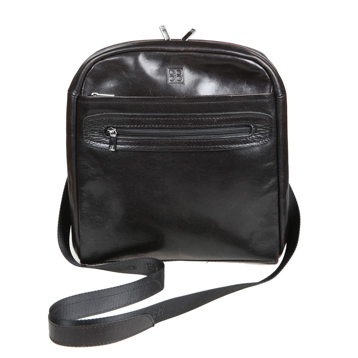 Сумка-планшет мужская Sergio Belotti, цвет: черный milano black. 93049304 milano blackСумка-планшет Sergio Belotti выполнена из натуральной кожи. Планшет имеет одно вместительное отделение, закрывающееся на застежку-молнию. Внутри - три кармана на молниях. На лицевой стороне расположено два вшитых кармана на молнии, один из которых содержит внутри четыре наборных кармашка для кредиток, карман для мобильного телефона и два фиксатора для ручек. На задней стенке - дополнительный карман на молнии. Планшет имеет плечевой ремень регулируемой длины. К планшету прилагается чехол для хранения. Этот стильный аксессуар станет изысканным дополнением к вашему образу.