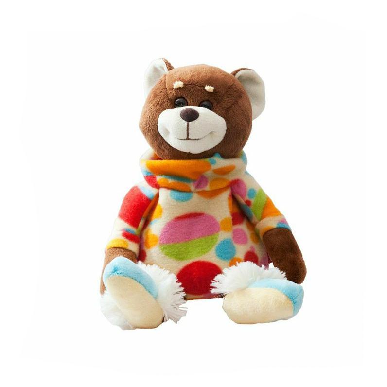 Игрушка мягконабивная Fancy Мишка-грелкаTCD0GМягконабивная игрушка Мишка-грелка - это не только милый плюшевый медвежонок, но и грелка. Игрушка содержит натуральный наполнитель - зерна просо, которые быстро нагреваются и долго удерживают тепло. Мешочек с наполнителем находится под замочком на спине игрушки. Мешочек легко достается и вкладывается обратно. Чтобы нагреть мешочек, нужно положить его в СВЧ-печь на 1 минуту при температуре 60°С, затем вложить мешочек обратно в игрушку и наслаждаться теплом. Если положить мешочек с наполнителем в морозилку на некоторое время, а потом поместить в игрушку, то в жаркий день игрушка будет приятно прохладной.