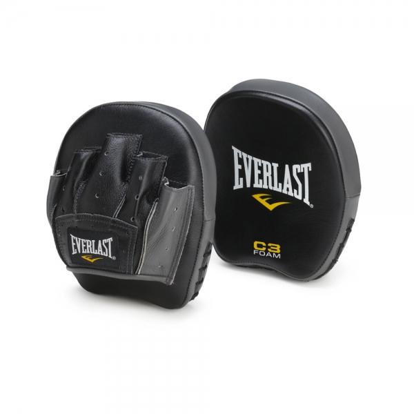Лапы Everlast Precision, цвет: черный701101Небольшие и легкие лапы Everlast Precision предназначены для отработки техники, меткости и ловкости. Уникальный пенный наполнитель C3 Foam прекрасно амортизирует даже самые жесткие удары. Лапы изготовлены из высококачественной натуральной кожи, что обеспечивает большой запас прочности и отличную износоустойчивость. В комплекте сумка для переноски.