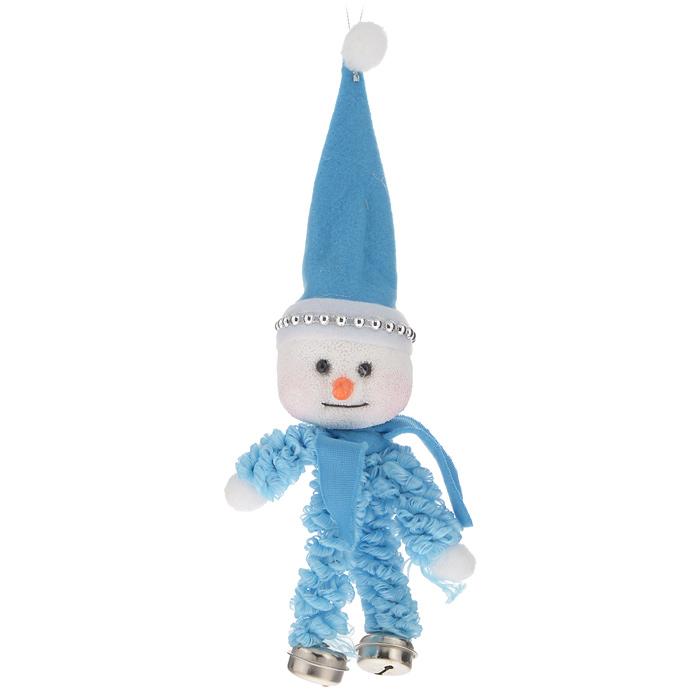 Новогоднее подвесное украшение Sima-land Снеговик, цвет: голубой, высота 25 см719591Новогоднее подвесное украшение Sima-land Снеговик прекрасно подойдет для праздничного декора новогодней ели. Украшение выполнено из пенопласта и текстиля в виде снеговика. Для удобного размещения на елке на игрушке предусмотрена текстильная петелька. Елочная игрушка - символ Нового года. Она несет в себе волшебство и красоту праздника. Создайте в своем доме атмосферу веселья и радости, украшая новогоднюю елку нарядными игрушками, которые будут из года в год накапливать теплоту воспоминаний. Коллекция декоративных украшений принесет в ваш дом ни с чем не сравнимое ощущение волшебства! Откройте для себя удивительный мир сказок и грез. Почувствуйте волшебные минуты ожидания праздника, создайте новогоднее настроение вашим дорогим и близким.