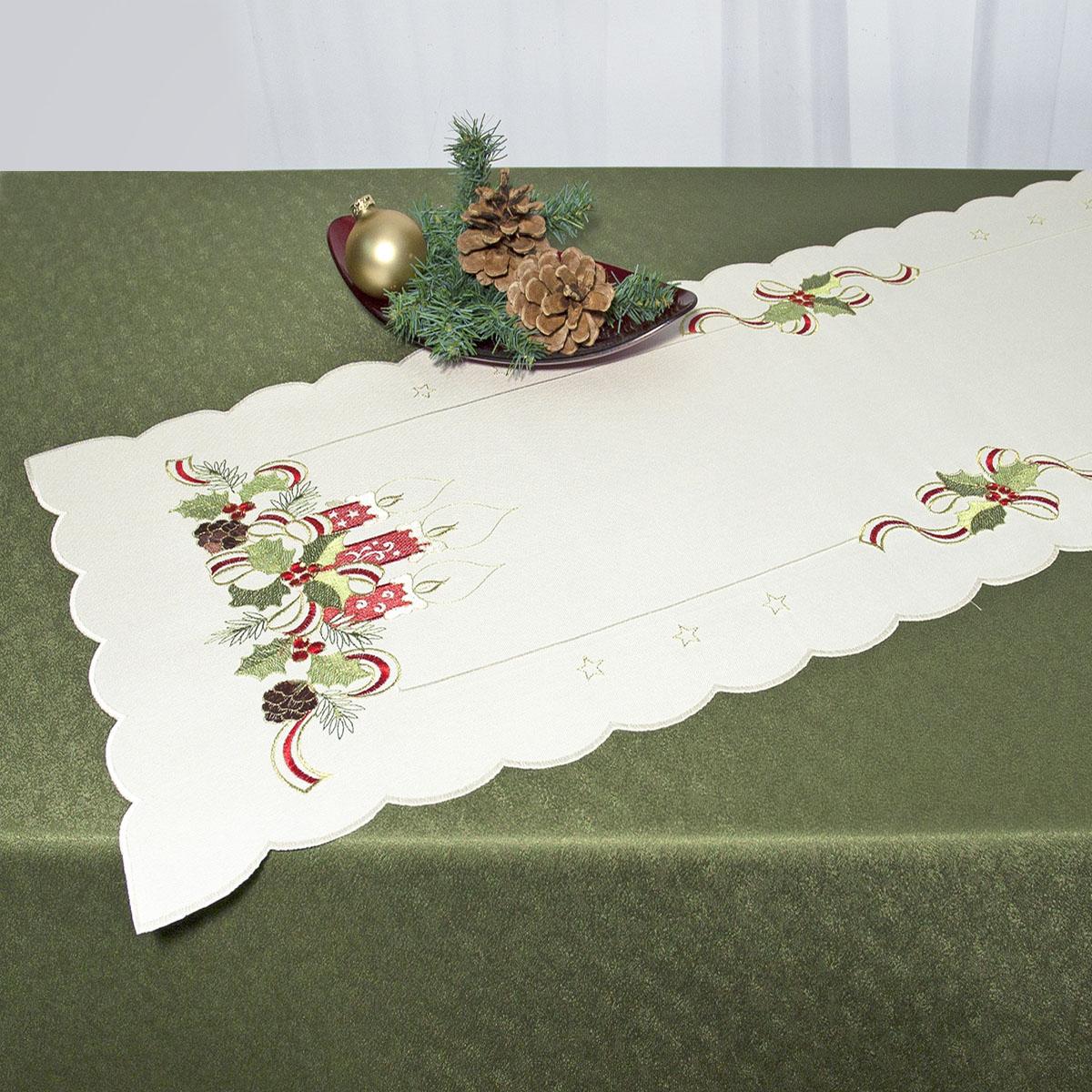 Дорожка для декорирования стола Schaefer, прямоугольная, цвет: бежевый, красный, 40 x 110 см 07488-23307488-233Прямоугольная дорожка Schaefer, выполненная из полиэстера и украшенная вышивкой в виде рождественских свечей, предназначена для декорирования стола, комода или тумбы. Дорожка имеет волнистые края. Изысканное оформление изделия придает ему необыкновенную легкость. Благодаря такой дорожке вы защитите поверхность мебели от воды, пятен и механических воздействий, а также создадите атмосферу уюта и домашнего тепла в интерьере вашей квартиры. Изделия из искусственных волокон легко стирать: они не мнутся, не садятся и быстро сохнут, они более долговечны, чем изделия из натуральных волокон.