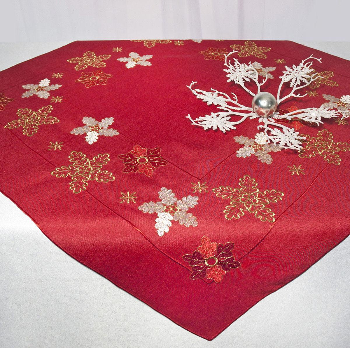 Скатерть Schaefer, квадратная, цвет: красный, 85 x 85 см. 07490-10007490-100Скатерть Schaefer изготовлена из полиэстера и украшена новогодней вышивкой. Изделия из полиэстера легко стирать: они не мнутся, не садятся и быстро сохнут, они более долговечны, чем изделия из натуральных волокон. Кроме того, ткань обладает водоотталкивающими свойствами. Такая скатерть будет просто не заменима на кухне, а особенно на вашем обеденном столе на даче под открытым небом. Скатерть Schaefer не останется без внимания ваших гостей, а вас будет ежедневно радовать ярким дизайном и несравненным качеством. Немецкая компания Schaefer создана в 1921 году. На протяжении всего времени существования она создает уникальные коллекции домашнего текстиля для гостиных, спален, кухонь и ванных комнат. Дизайнерские идеи немецких художников компании Schaefer воплощаются в текстильных изделиях, которые сделают ваш дом красивее и уютнее и не останутся незамеченными вашими гостями. Дарите себе и близким красоту каждый день! Изысканный...