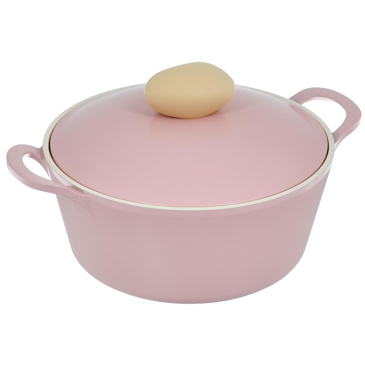 Кастрюля Frybest Round с крышкой, с керамическим покрытием, цвет: розовый, 2,8 лROUND C22-PКастрюля Frybest Round выполнена из алюминия с внутренним и внешним керамическим покрытием Ecolon Superior. Такое покрытие устойчиво к повреждениям и не содержит вредных компонентов, так как изготовлено из натуральных материалов. Кастрюля оснащена удобными литыми алюминиевыми ручками и крышкой с пароотводом и прорезиненной ручкой из высококачественного пластика. Коллекция Round - это сочетание непревзойденного качества и элегантности. Ключевые преимущества: - Литой алюминиевый корпус хорошо проводит тепло и равномерно нагревается, обеспечивая наиболее эффективное приготовление пищи, - Крепления ручек не имеют заклепок на внутренней стороне посуды, - Внешнее и внутреннее покрытие устойчиво к царапинам и повреждениям, - Покрытие абсолютно нейтрально и не вступает в реакцию с пищей, - Легко моется, - Утолщенное дно для лучшего распространения тепла и экономии энергии, - Благодаря равномерно прогревающейся алюминиевой...