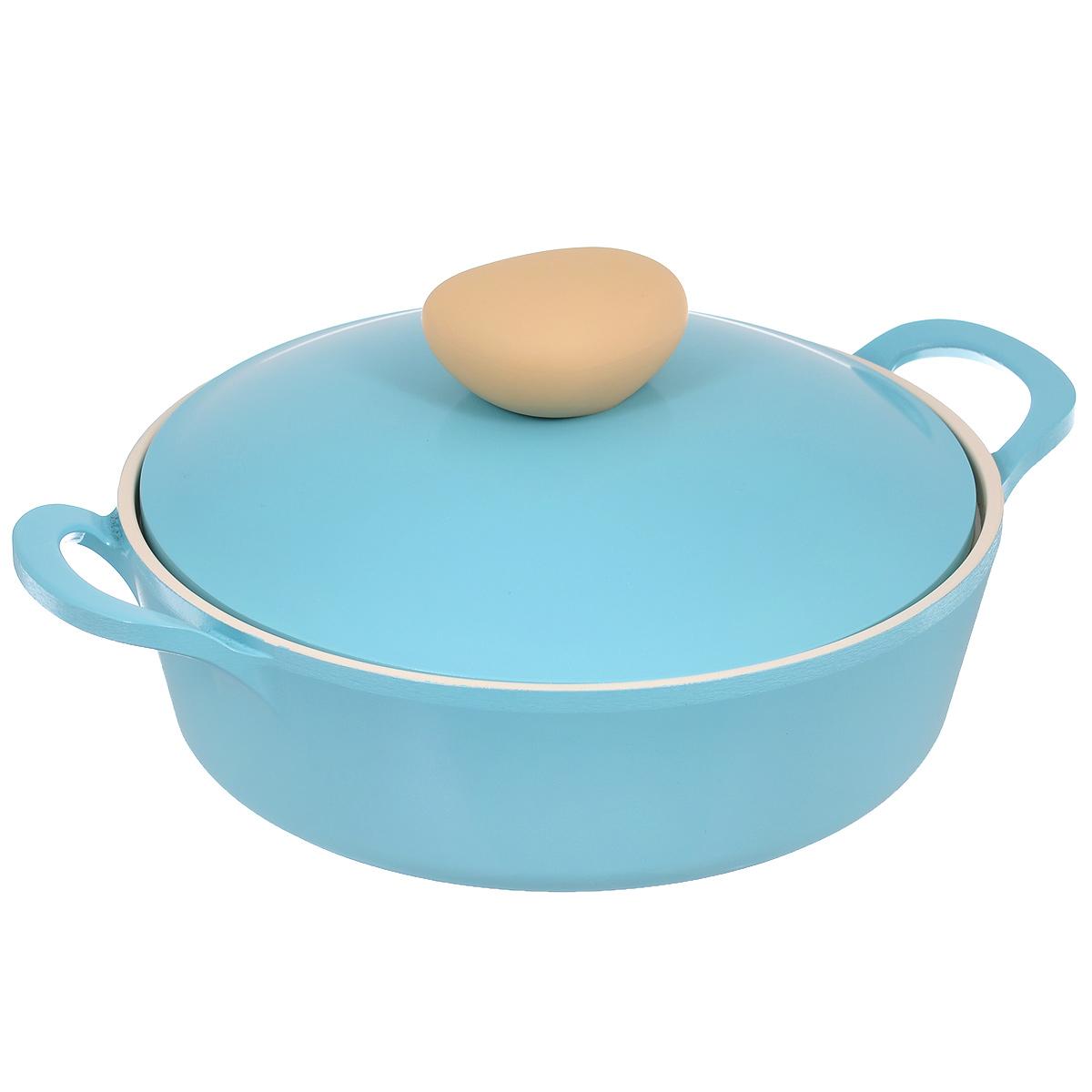 Жаровня Frybest Round с крышкой, с керамическим покрытием, цвет: голубой, 2 лROUND L22-BЖаровня Frybest Round выполнена из алюминия с внутренним и внешним керамическим покрытием Ecolon Superior. Такое покрытие устойчиво к повреждениям и не содержит вредных компонентов, так как изготовлено из натуральных материалов. Жаровня оснащена удобными литыми алюминиевыми ручками и крышкой с пароотводом и прорезиненной ручкой из высококачественного пластика. Коллекция Round - это сочетание непревзойденного качества и элегантности. Ключевые преимущества: - Литой алюминиевый корпус хорошо проводит тепло и равномерно нагревается, обеспечивая наиболее эффективное приготовление пищи, - Крепления ручек не имеют заклепок на внутренней стороне посуды, - Внешнее и внутреннее покрытие устойчиво к царапинам и повреждениям, - Покрытие абсолютно нейтрально и не вступает в реакцию с пищей, - Легко моется, - Утолщенное дно для лучшего распространения тепла и экономии энергии, - Благодаря равномерно прогревающейся алюминиевой...