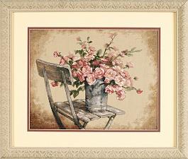 Набор для вышивания крестом Dimensions Розы на белом стуле, 36 х 28 смDMS-35187Набор для вышивания Dimensions Розы на белом стуле поможет вам создать свой личный шедевр - красивую картину, вышитую в технике счетный крест. Вышивание отвлечет вас от повседневных забот и превратится в увлекательное занятие! Работа, сделанная своими руками, создаст особый уют и атмосферу в доме и долгие годы будет радовать вас и ваших близких, а подарок, выполненный собственноручно, станет самым ценным для друзей и знакомых. В набор входят: - канва Aida 14 бежевая, - хлопковые нитки мулине: 28 цветов, - игла, - цветная схема, - инструкция на русском языке. УВАЖАЕМЫЕ КЛИЕНТЫ! Обращаем ваше внимание, на тот факт, что рамка в комплект не входит, а служит для визуального восприятия товара.