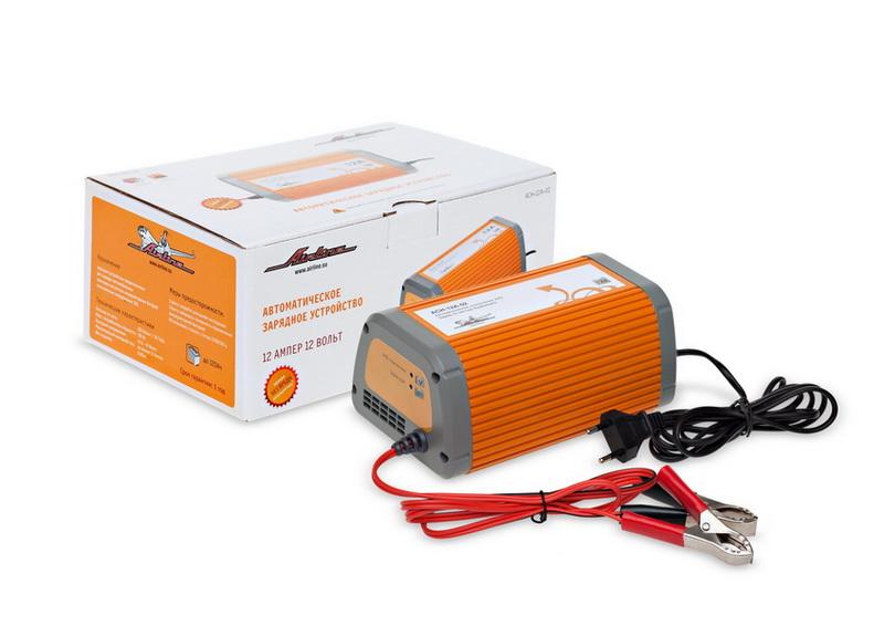 Зарядное устройство Airline, 12 А, 12ВACH-12A-02Назначение зарядного устройства Airline - заряд автомобильных и мотоциклетных 12В свинцово-кислотных аккумуляторных батарей любого типа. Устройство реализует заряд по закону Вудбриджа с ограничением максимального тока согласно спецификации, позволяющий заряжать любую исправную батарею (с остаточным напряжением не менее 6В) относительно быстро и без повреждения; способствует мягкому протеканию электрохимических процессов в АКБ, что продлевает срок службы АКБ. Устройства защищены от переполюсовки и коротких замыканий, работают в широком диапазоне питающих напряжений. Устройства автоматически отключают АКБ по завершении заряда. Устройство имеет режим автоматической зарядки АКБ по закону Вудбриджа с ограничением максимального тока 12А . Оснащены индикатором правильного подключения АКБ и индикатором режима зарядки. После достижения на АКБ напряжения 14,5-15В, заряд автоматически останавливается. Такой режим работы позволяет избежать перезаряда АКБ и кипения электролита, а также...