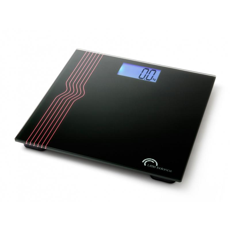 Весы напольные Little balance Exclusif 40, цвет: черный8023Напольные весы Little balance Exclusif 40 просты и удобны в эксплуатации. Горизонтальная платформа изготовлена из качественного высокопрочного стекла, выдерживающего вес до 150 кг. Изделие декорировано оригинальными цветными полосками. Весы имеют функцию автоматического включения. Работают на двух батарейках типа CR 2032 (входят в комплект). Прилагается инструкция по эксплуатации на русском языке. Материал: стекло, полимерные материалы. Размер: 30 см x 30 см x 2,5 см. Размер дисплея: 8,2 см x 4,3, см. LCD подсветка: синяя.