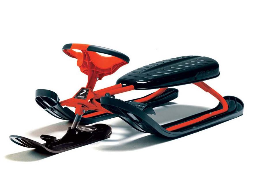 Снегокат Stiga Snowracer Ultimate PRO, цвет: красный73-2311-05Снегокат Stiga Snowracer Ultimate PRO вмещают и выдерживает одного среднего взрослого и ребенка до 10 лет. Санки легко контролировать на любом склоне удобным рулем и ножным тормозом. Прочная стальная конструкция обеспечивает снегокату долгий срок эксплуатации. Прокатиться с ветерком на самой крутой горе доставит удовольствие и взрослым и детям.