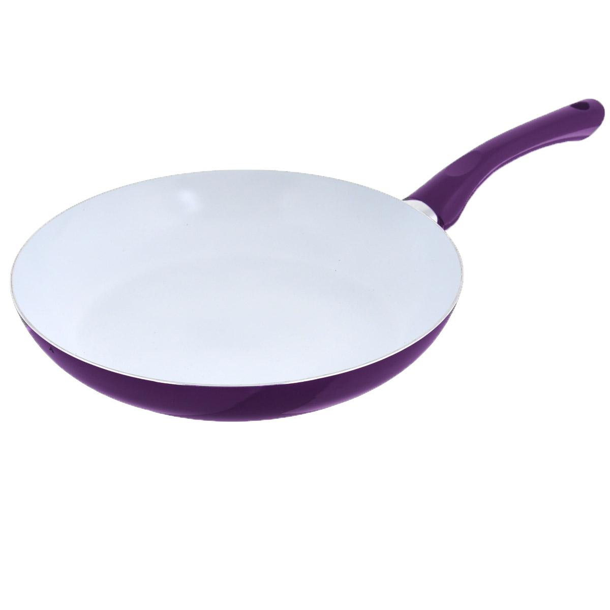 Сковорода Bekker, с керамическим покрытием, цвет: фиолетовый. Диаметр 28 см. BK-3704BK-3704Сковорода Bekker изготовлена из алюминия с внутренним керамическим покрытием. Благодаря этому пища не пригорает и не прилипает к стенкам. Готовить можно с минимальным количеством масла и жиров. Гладкая поверхность обеспечивает легкость ухода за посудой. Внешнее покрытие - цветной жаростойкий лак. Изделие оснащено удобной бакелитовой ручкой, которая не нагревается в процессе готовки. Сковорода подходит для использования на всех типах кухонных плит, кроме индукционных, а также ее можно мыть в посудомоечной машине. Высота стенки: 5 см. Толщина стенки: 2,5 мм. Толщина дна: 2,5 мм. Длина ручки: 18 см. Диаметр основания: 20 см.
