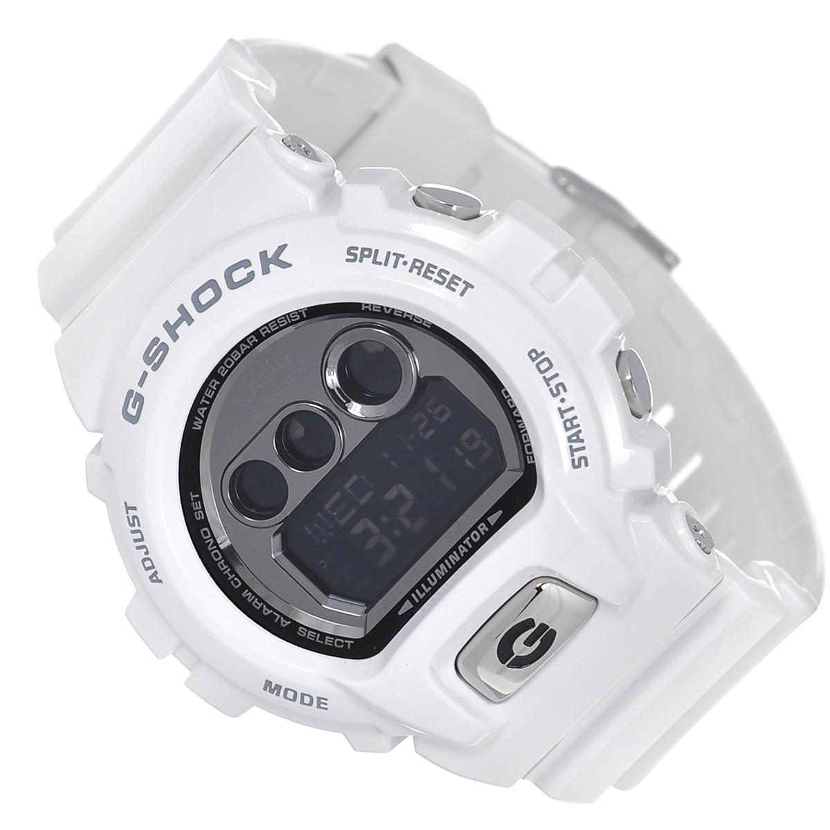 Часы мужские наручные Casio G-Shock, цвет: белый. GD-X6900FB-7EGD-X6900FB-7EСтильные кварцевые часы G-Shock от японского брэнда Casio - это яркий функциональный аксессуар для современных людей, которые стремятся выделиться из толпы и подчеркнуть свою индивидуальность. Часы выполнены в спортивном стиле. Корпус имеет ударопрочную конструкцию, защищающую механизм от ударов и вибрации. Циферблат подсвечивается светодиодной автоматической подсветкой. При движении руки дисплей освещается ярким светом. Ремешок из пластика имеет классическую застежку. Основные функции: - 3 будильника, один с функцией Snooze, ежечасный сигнал; - автоматический календарь (число, месяц, день недели, год); - секундомер с точностью показаний 1/100 с и временем измерения 24 ч; - мировое время; - таймер обратного отсчета от 1 мин до 24 ч с автоповтором; - 12-ти и 24-х часовой формат времени; - сплит-хронограф; - типы сигналов: ежедневный, ежемесячный, каждый день определенного...