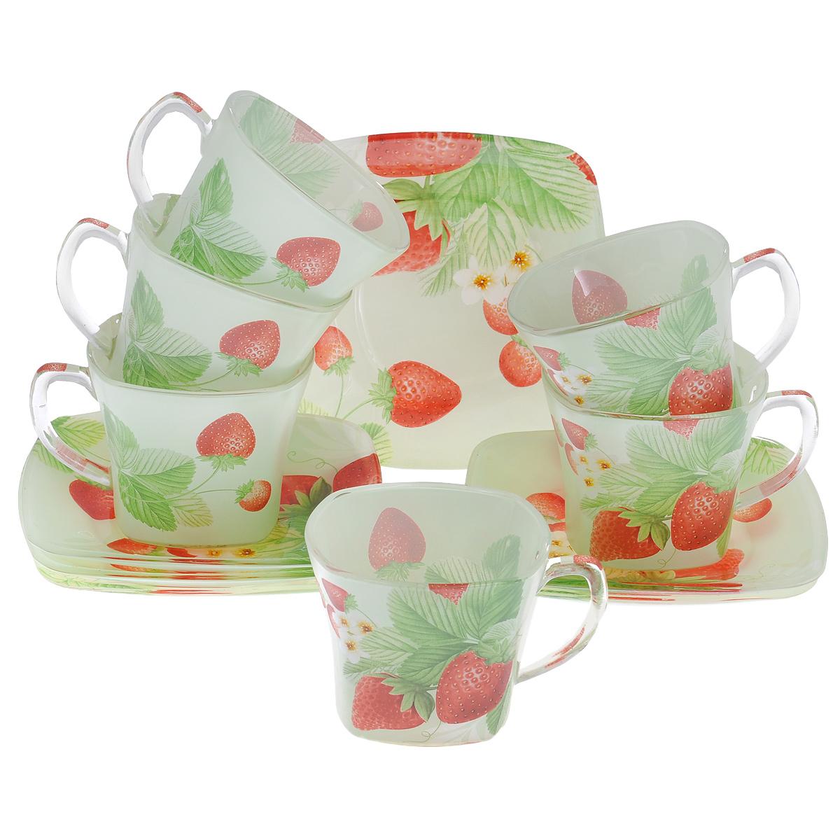 Набор посуды Клубника, 12 предметов10152Набор посуды состоит из 6 блюдец и 6 чашек. Изделия выполнены из высококачественного стекла и оформлены изображением ягод клубники. Этот набор эффектно украсит стол, а также прекрасно подойдет для торжественных случаев. Красочность оформления придется по вкусу и ценителям классики, и тем, кто предпочитает утонченность и изящность.
