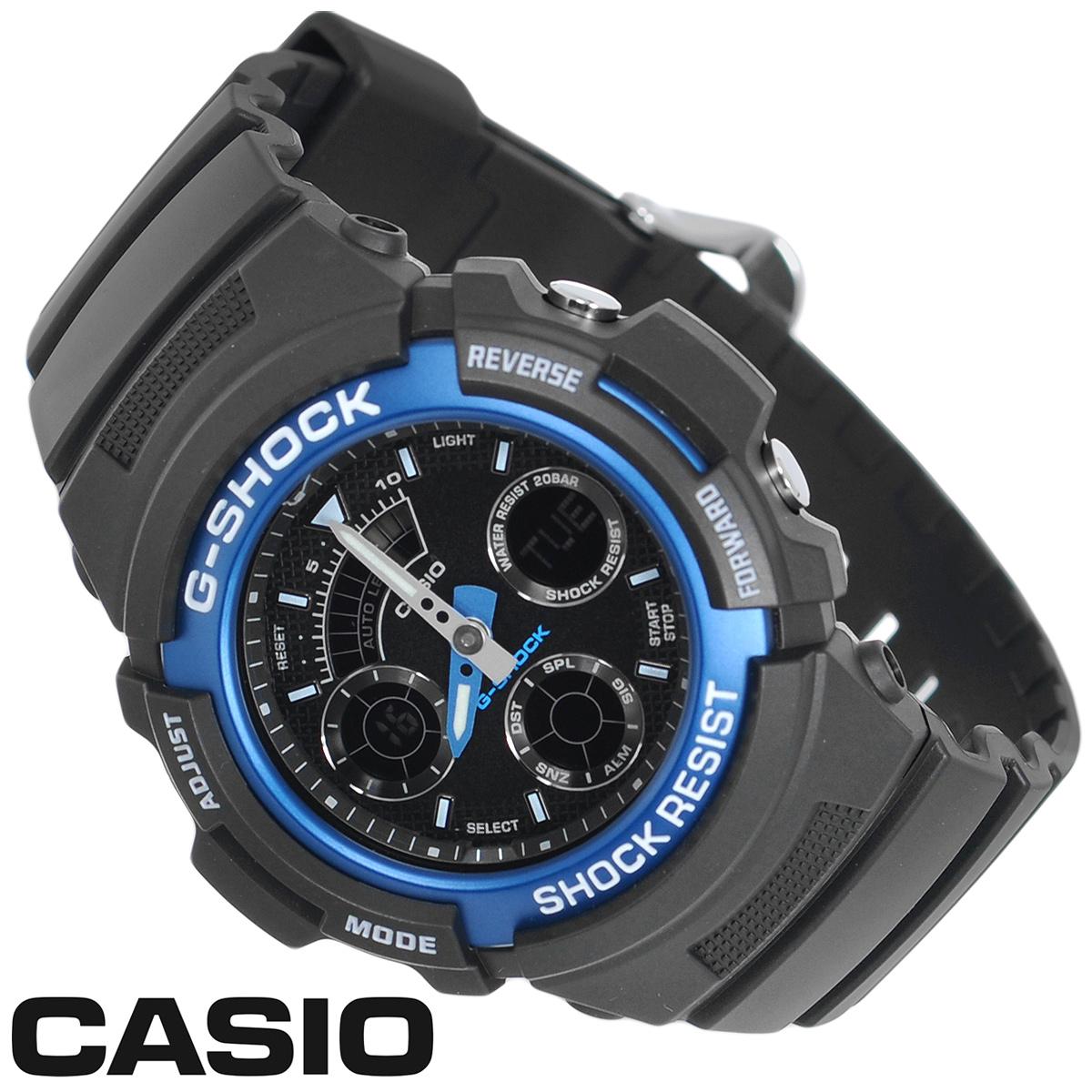 Часы мужские наручные Casio G-Shock, цвет: черный, синий. AW-591-2AAW-591-2AСтильные аналогово-цифровые кварцевые часы G-Shock от японского брэнда Casio - это яркий функциональный аксессуар для современных людей, которые стремятся выделиться из толпы и подчеркнуть свою индивидуальность. Часы выполнены в спортивном стиле. Корпус имеет ударопрочную конструкцию, защищающую механизм от ударов и вибрации. Циферблат с люминесцентными отметками и двумя стрелками оснащен светодиодной автоподсветкой. Ремешок из пластика имеет классическую застежку. Основные функции: - 5 будильников с функцией Snooze, ежечасный сигнал; - автоматический календарь (число, месяц, день недели, год); - секундомер с точностью показаний 1/100 с и временем измерения 1 ч; - мировое время; - таймер; - 12-ти и 24-х часовой формат времени. Часы упакованы в фирменную коробку с логотипом Casio. Такой аксессуар добавит вашему образу стиля и подчеркнет безупречный вкус своего владельца. ...
