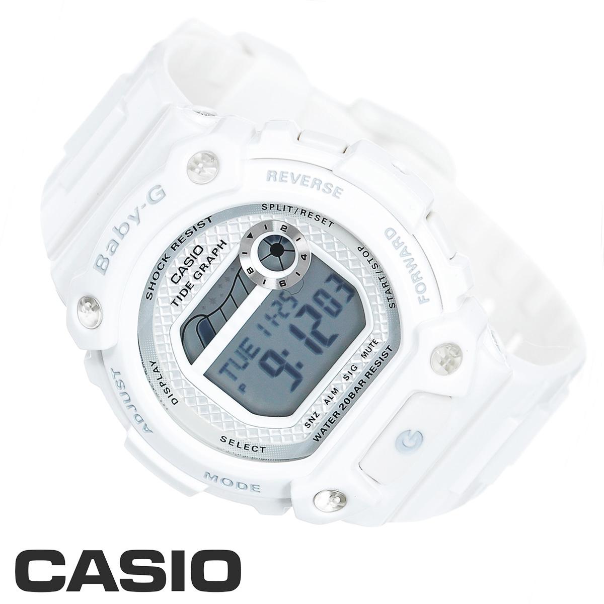 Часы женские наручные Casio Baby-G, цвет: белый, серебристый. BLX-100-7EBLX-100-7EСтильные электронные часы Baby-G от японского брэнда Casio - это яркий функциональный аксессуар для современных людей, которые стремятся выделиться из толпы и подчеркнуть свою индивидуальность. Часы выполнены в спортивном стиле. Часы имеют ударопрочную конструкцию, защищающую механизм от ударов и вибрации. Электролюминесцентная подсветка освещает весь циферблат часов, после отпускания кнопки свечение продолжается еще некоторое время. Ремешок из мягкого пластика застегивается на классическую застежку. Основные функции: - 5 будильников, один с функцией повтора сигнала (чтобы отложить пробуждение), ежечасный сигнал; - автоматический календарь (число, месяц, день недели, год); - секундомер с точностью показаний 1/100 с, время измерения 24 ч; - сплит-хронограф; - 12-ти и 24-х часовой формат времени; - таймер обратного отсчета от 1 мин до 24 ч с автоповтором; - графическое...