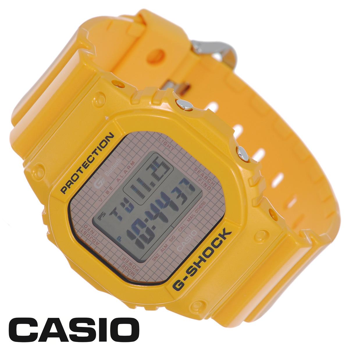 Часы мужские наручные Casio G-Shock, цвет: желтый. GB-5600B-9EGB-5600B-9EСтильные электронно-механические кварцевые часы G-Shock от японского брэнда Casio - это яркий функциональный аксессуар для современных людей, которые стремятся выделиться из толпы и подчеркнуть свою индивидуальность. Часы выполнены в спортивном стиле. Корпус имеет ударопрочную конструкцию, защищающую механизм от ударов и вибрации. ЖК-дисплей со светодиодной подсветкой защищен минеральным стеклом. Функция автоподсветки освещает циферблат при повороте часов к лицу. Ремешок из пластика имеет классическую застежку. Основные функции: - 5 будильников, один с функцией повтора сигнала (чтобы отложить пробуждение), ежечасный сигнал; - автоматический календарь (число, месяц, день недели, год); - индикатор заряда батареи; - функция автоматического сохранения энергии; - секундомер с точностью показаний 1/100 с, время измерения 1000 часов; - 12-ти и 24-х часовой формат времени; - таймер...