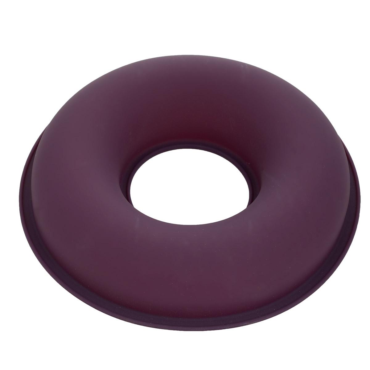 Форма для выпечки Bekker Круг, силиконовая, цвет: фиолетовый, диаметр 26,5 смBK-9468Форма для выпечки Bekker Круг изготовлена из силикона. Силиконовые формы для выпечки имеют много преимуществ по сравнению с традиционными металлическими формами и противнями. Они идеально подходят для использования в микроволновых, газовых и электрических печах при температурах до +250°С; в случае заморозки до -50°С. Можно мыть в посудомоечной машине. За счет высокой теплопроводности силикона изделия выпекаются заметно быстрее. Благодаря гибкости и антиприлипающим свойствам силикона, готовое изделие легко извлекается из формы. Для этого достаточно отогнуть края и вывернуть форму (выпечке дайте немного остыть, а замороженный продукт лучше вынимать сразу). Силикон абсолютно безвреден для здоровья, не впитывает запахи, не оставляет пятен, легко моется. Форма для выпечки Bekker Круг - практичный и необходимый подарок любой хозяйке!