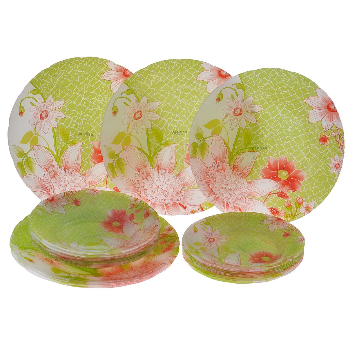 Сервиз обеденный Bekker Koch, 18 предметов. BK-9901BK-9901Обеденный сервиз Bekker Koch, изготовленный из высококачественного стекла, состоит из 6 суповых тарелок, 6 обеденных тарелок и 6 десертных тарелок. Изделия декорированы ярким изображением цветов. Такой сервиз придется по вкусу любителям классики, и тем, кто предпочитает утонченность и изысканность. Набор эффектно украсит стол к обеду, а также прекрасно подойдет для торжественных случаев. Не рекомендуется мыть в посудомоечной машине.