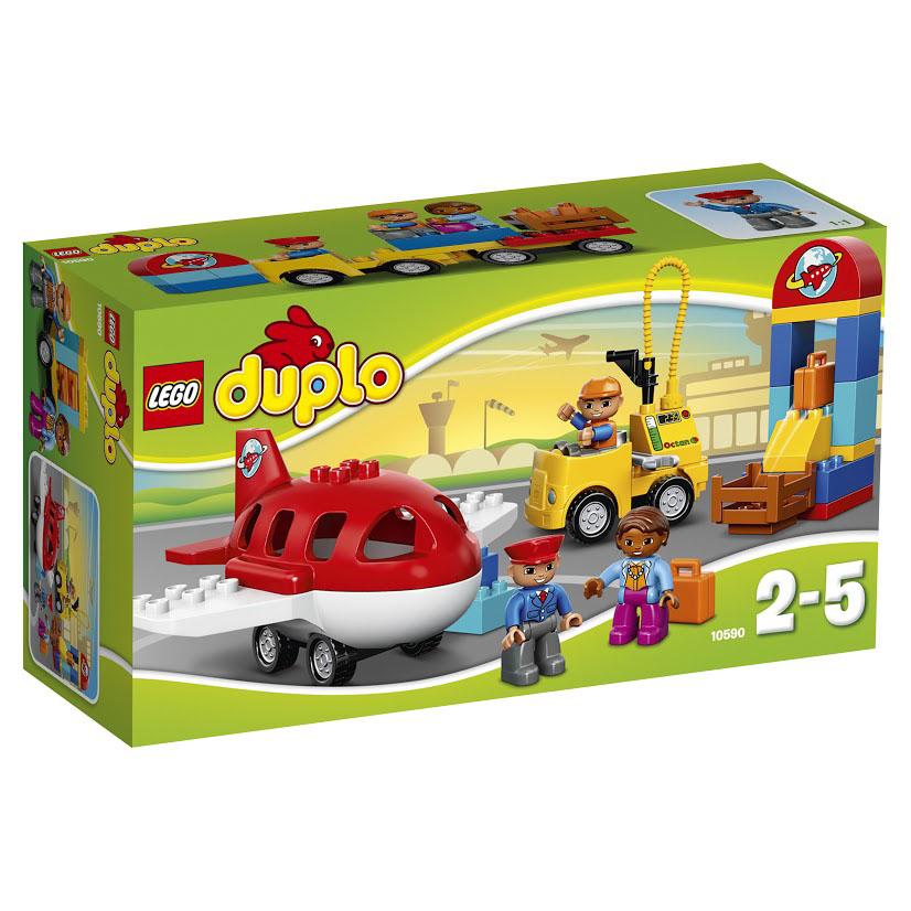 LEGO DUPLO Конструктор Аэропорт 1059010590Приготовьтесь к взлету в Аэропорт! Соберите стойку регистрации багажа и убедитесь, что ваши чемоданы погружены в самолет. Подгоните топливозаправщик к самолету. Затем помогите пилоту занять свое место и убедитесь, что все пассажиры на борту готовы к взлету. Отправляясь в рабочую поездку или отпуск, вы непременно воспользуетесь услугами городского аэропорта. Его здание, состоящее из разноцветных деталей, заметно издалека. На красной полукруглой крыше красуется вывеска с изображением планеты Земля и летящего вокруг нее самолета. Это говорит о том, что опытные пилоты данного аэропорта могут перевезти вас в любую точку мира. Также вам не придется переживать за сохранность багажа. Пройдя досмотр, ваши чемоданы попадают в руки аккуратных сотрудников багажной службы, которые при помощи специальных автоплатформ довезут их до грузового отсека самолета. В набор входят 3 мини-фигурки: пассажир, пилот и работник аэропорта, а также множество ярких и функциональных деталей для...