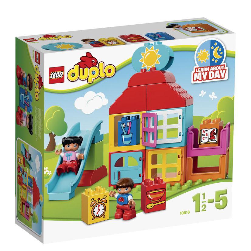 LEGO DUPLO Конструктор Мой первый игровой домик 1061610616Знакомьте ребенка с распорядком дня и прививайте ему правильные привычки с набором LEGO DUPLO Мой первый игровой домик! Для начала постройте домик, в котором будут жить мальчик и девочка. На часах семь утра, встает солнышко, и дети идут кататься с горки во дворе. А когда наступает вечер, они ужинают, чистят зубы, мама им на ночь читает книжку, и они сладко засыпают в своих кроватках. В набор входят 2 мини-фигурки: мальчик и девочка. Основой конструкции домика являются прямоугольные разноцветные блоки с открывающимися окошками. Каждый блок представляет собой комнату и может быть использован для любых целей. Чтобы определиться с назначением комнат, малыш может воспользоваться кубиками с рисунками. Они подскажут, где будет находиться спальня, где ванна, а где столовая. В набор входят 4 таких кубика, а также элемент с изображением солнышка или месяца. Кроме того из деталей набора можно построить горку, которая станет любимым аттракционом для мальчика и девочки, живущих в этом...