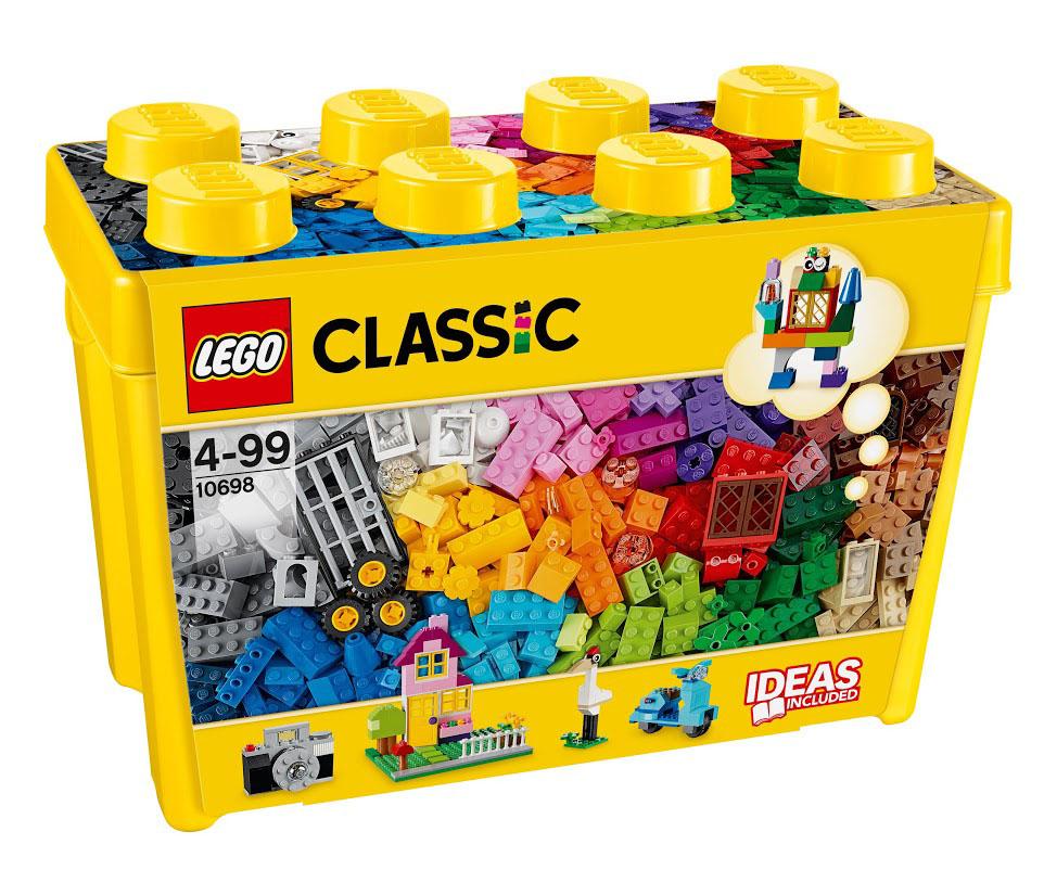 LEGO Classic Конструктор Классик 1069810698Мишка, фотоаппарат, замок! Окунитесь с головой в этот большой набор кубиков LEGO и дайте волю своему воображению! Бесконечные возможности для сборки из классических кубиков 33 разных цветов и специальных деталей, включая двери, окна, колеса, глаза, пропеллеры и отделитель кубиков. Если вы не знаете, с чего начать, вам помогут инструкции с идеями дизайнеров, от которых можно оттолкнуться. Это идеальный набор для начинающих строителей всех возрастов. Он также дополнит любую имеющуюся коллекцию LEGO. Этот красочный игровой набор содержит 790 пластиковых элементов для сборки и инструкцию по сборке. Конструктор - это один из самых увлекательнейших и веселых способов времяпрепровождения. Ребенок сможет часами играть с конструктором, придумывая различные ситуации и истории. В процессе игры с конструкторами LEGO дети приобретают и постигают такие необходимые навыки как познание, творчество, воображение. Обычные наблюдения за детьми показывают, что единственное, чему они с...