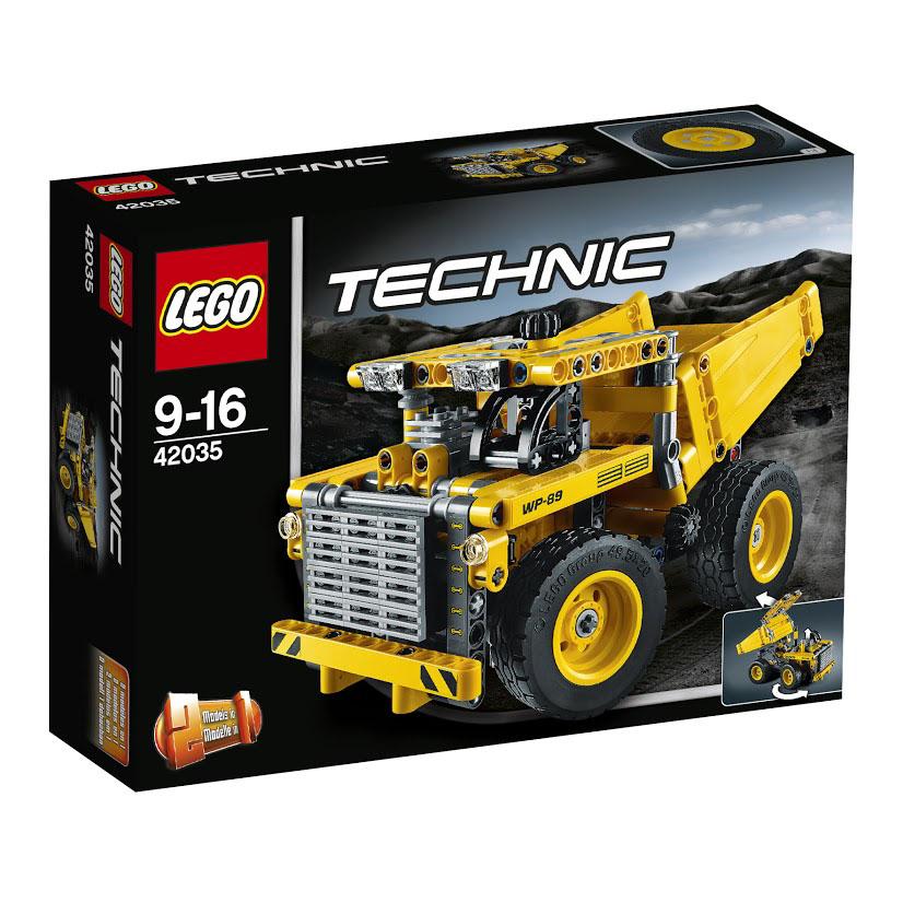 LEGO Technic Конструктор Карьерный грузовик 4203542035Заберитесь в кабину огромного Карьерного грузовика! Выполните маневр, чтобы поставить эту мощную машину в нужное положение, затем опрокиньте и закрепите массивную грузовую платформу! Корпус мощного самосвала выполнен из контрастных жёлто-чёрных деталей. Спереди видна прямоугольная кабина водителя с массивной крышей, прозрачными фарами и непробиваемой решёткой радиатора. Под капотом установлен реалистичный мотор. Во время движения его поршень поднимается и опускается, а закреплённая рядом трансмиссия вращается, передавая крутящий момент от двигателя к задним колёсам. Передние колёса также связаны с активным механизмом. При помощи рулевого рычага, расположенного в кабине, они могут поворачиваться и выполнять различные манёвры. Вместительный кузов самосвала предназначен для перевозки огромного количества руды. Чтобы ускорить процесс транспортировки и облегчить выгрузку, кузов оборудовали подъёмным механизмом. Используя специальный рычаг, установленный за кабиной водителя, можно не...