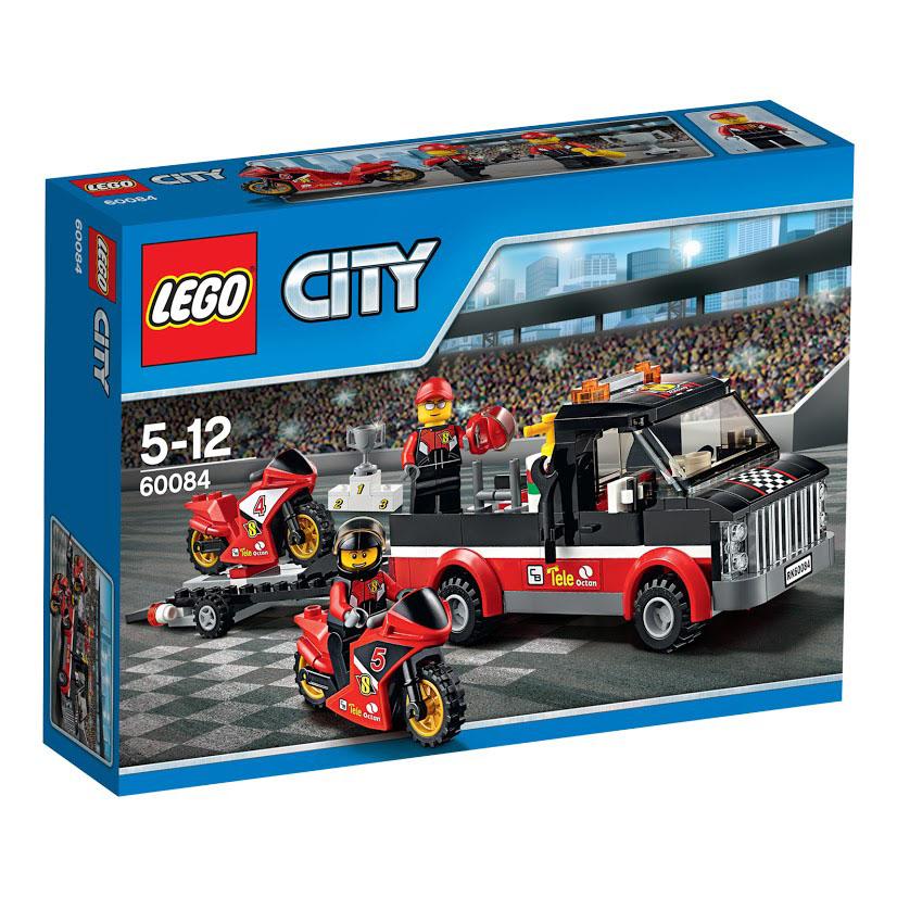LEGO City Конструктор Перевозчик гоночных мотоциклов 6008460084Команда гонщиков направляется на стадион на финал чемпионата по мотогонкам. Присоединяйся к асам, садись на превосходный перевозчик их высокоскоростных гоночных мотоциклов. Когда приедете на стадион, помоги выгрузить мотоциклы и отправляйся на круг. Толпа в восторге, это будет небывалая гонка. Кто займет верхнюю ступень пьедестала и поднимет кубок чемпионата? Этот красочный игровой набор содержит 178 пластиковых элементов для сборки, 2 фигурки и инструкцию по сборке. Конструктор - это один из самых увлекательнейших и веселых способов времяпрепровождения. Ребенок сможет часами играть с конструктором, придумывая различные ситуации и истории. В процессе игры с конструкторами LEGO дети приобретают и постигают такие необходимые навыки как познание, творчество, воображение. Обычные наблюдения за детьми показывают, что единственное, чему они с удовольствием посвящают время - это игры. Игра - это состояние души, это веселый опыт познания реальности. Играя, дети...