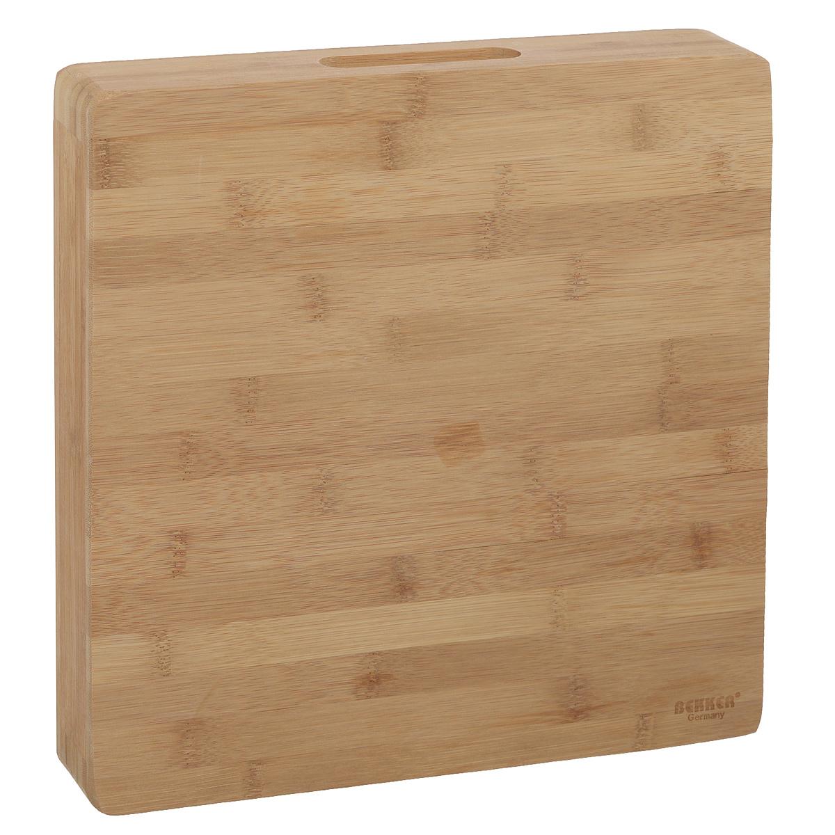 Доска разделочная Bekker, бамбуковая, 30 см х 30 см. BK-9722BK-9722Квадратная разделочная доска Bekker изготовлена из высококачественной древесины бамбука, обладающей антибактериальными свойствами. Бамбук - инновационный материал, идеально подходящий для разделочных досок. Доски из бамбука обладают высокой плотностью структуры древесины, а также устойчивы к механическим воздействиям. Доска оснащена углублениями сбоку. Функциональная и простая в использовании, разделочная доска Bekker прекрасно впишется в интерьер любой кухни и прослужит вам долгие годы.