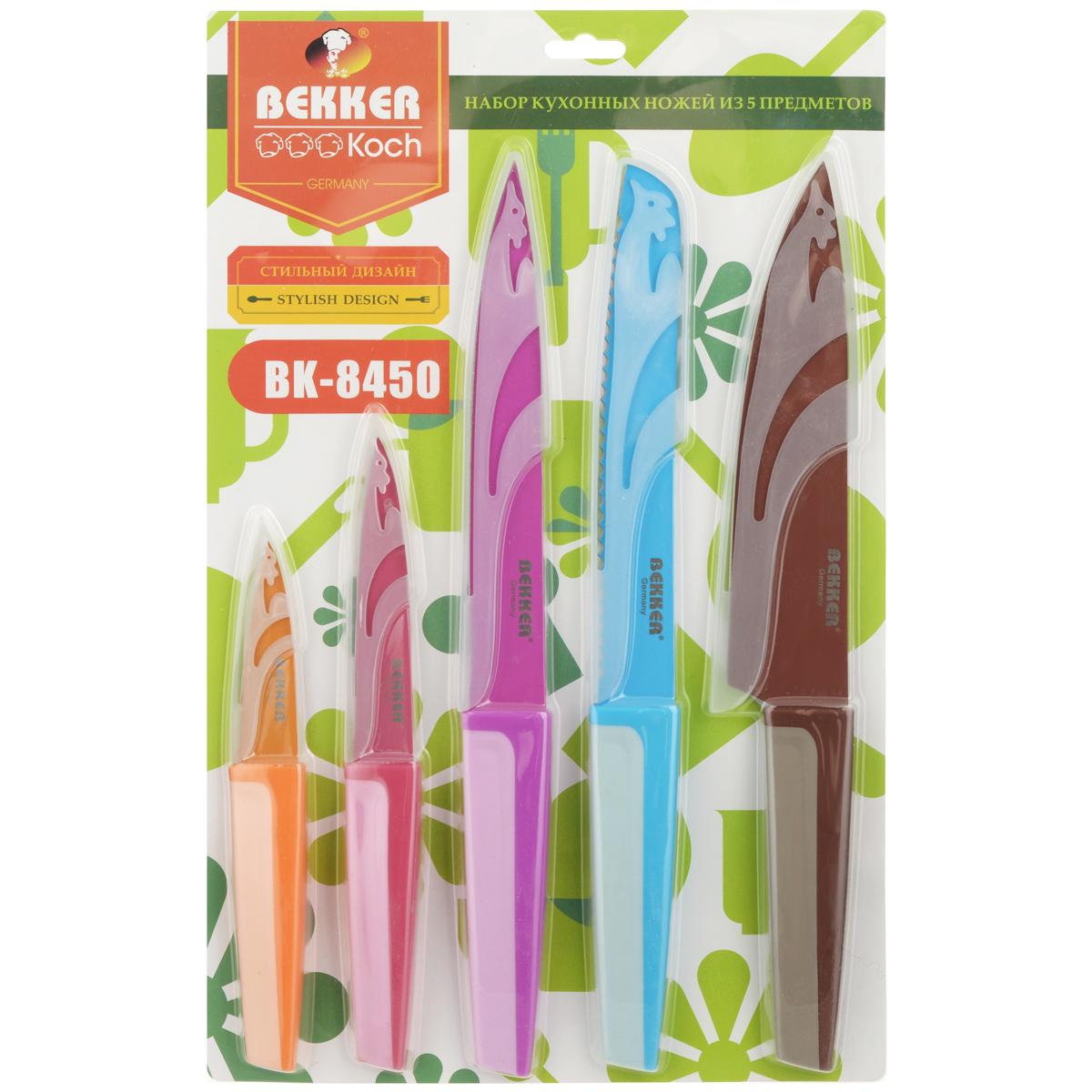 Набор ножей Bekker, с чехлами, 5 предметов. BK-8450BK-8450Набор Bekker состоит из поварского ножа, ножа для резки хлеба, ножа для тонкой нарезки, ножа универсального и ножа для очистки. Каждый нож убран в пластиковый чехол. Лезвия ножей выполнены из нержавеющей стали. Рукоятки изготовлены из пластика с силиконовым покрытием Corilon. Ножи незаменимы для измельчения и чистки различных продуктов. Благодаря своему высокому качеству, первоклассному дизайну, прочности и надежности ножи идеально подходят для любой кухни. Подходят для чистки в посудомоечной машине. Длина лезвия поварского ножа: 20,3 см. Общая длинна поварского ножа: 33,5 см. Длина лезвия ножа для резки хлеба: 20,3 см. Общая длинна ножа для резки хлеба: 33,5 см. Длина лезвия ножа для тонкой нарезки: 20,3 см. Общая длинна ножа для тонкой нарезки: 33,5 см. Длина лезвия ножа универсального: 12,3 см. Общая длинна ножа универсального: 23,5 см. Длина лезвия ножа для очистки: 8,7 см. Общая длинна ножа...