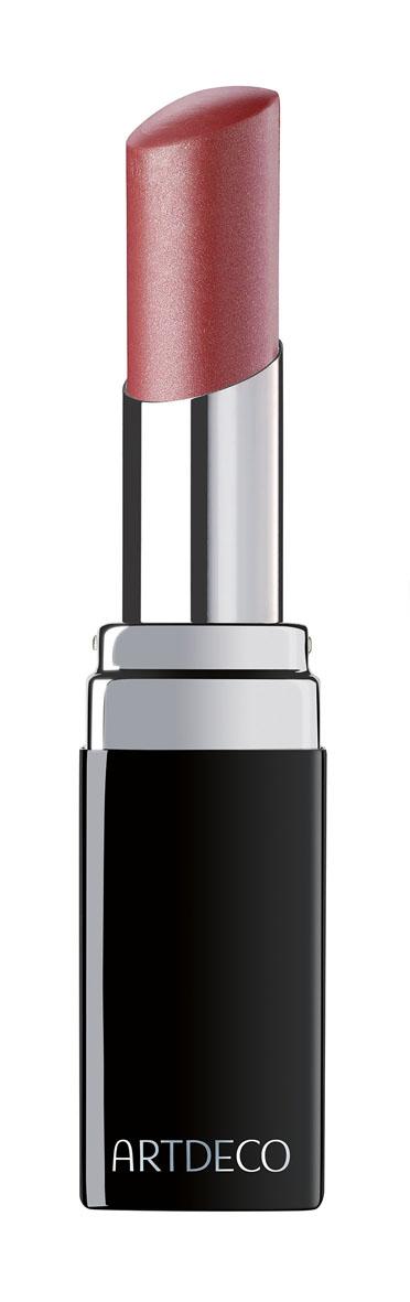 Artdeco Помада для губ Color Lip Shine, тон №08, 2,9 г121.08Формула помады Artdeco Color Lip Shine насыщена ланолином, касторовым маслом, кальцием и воском, что дает гладкое и мягкое нанесение, комфорт и ухоженный вид. Ланолин смягчает и питает губы. Касторовое масло смягчает и увлажняет. Кальций укрепляет. Воск обеспечивает пластичность, скольжение, гладкость и защиту. Товар сертифицирован.