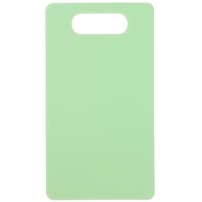 Доска разделочная Fackelmann Polonia, цвет: зеленый, 24,5 х 14,5 см521825Доска разделочная Fackelmann Polonia, изготовленная из пищевого пластика, займет достойное место среди аксессуаров на вашей кухне. Она прекрасно подойдет для нарезки любых продуктов. Доска устойчива к деформации и высоким температурам. Можно мыть в посудомоечной машине.