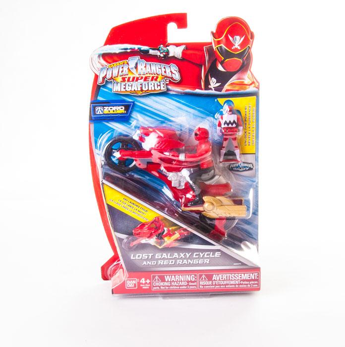 Набор фигурок Power Rangers Рейнджер на мотоцикле, цвет: красный, 3 шт38070Набор фигурок Power Rangers Рейнджер на мотоцикле станет прекрасным подарком для вашего ребенка. В набор входит: 2 фигурки рейнджеров, мотоцикл. Фигурки выполнены из прочного пластика ярких цветов. Инертный двигатель мотоцикла приходит в движение при помощи специального ключа (входит в комплект). Ваш ребенок будет часами играть с этой фигуркой, придумывая различные истории с участием любимого героя. Могучие рейнджеры - американский телесериал в жанре токусацу, созданный компанией Saban в 1993 году на основе японского сериала Super Sentai Show. С 2003 года производился компанией Disney.
