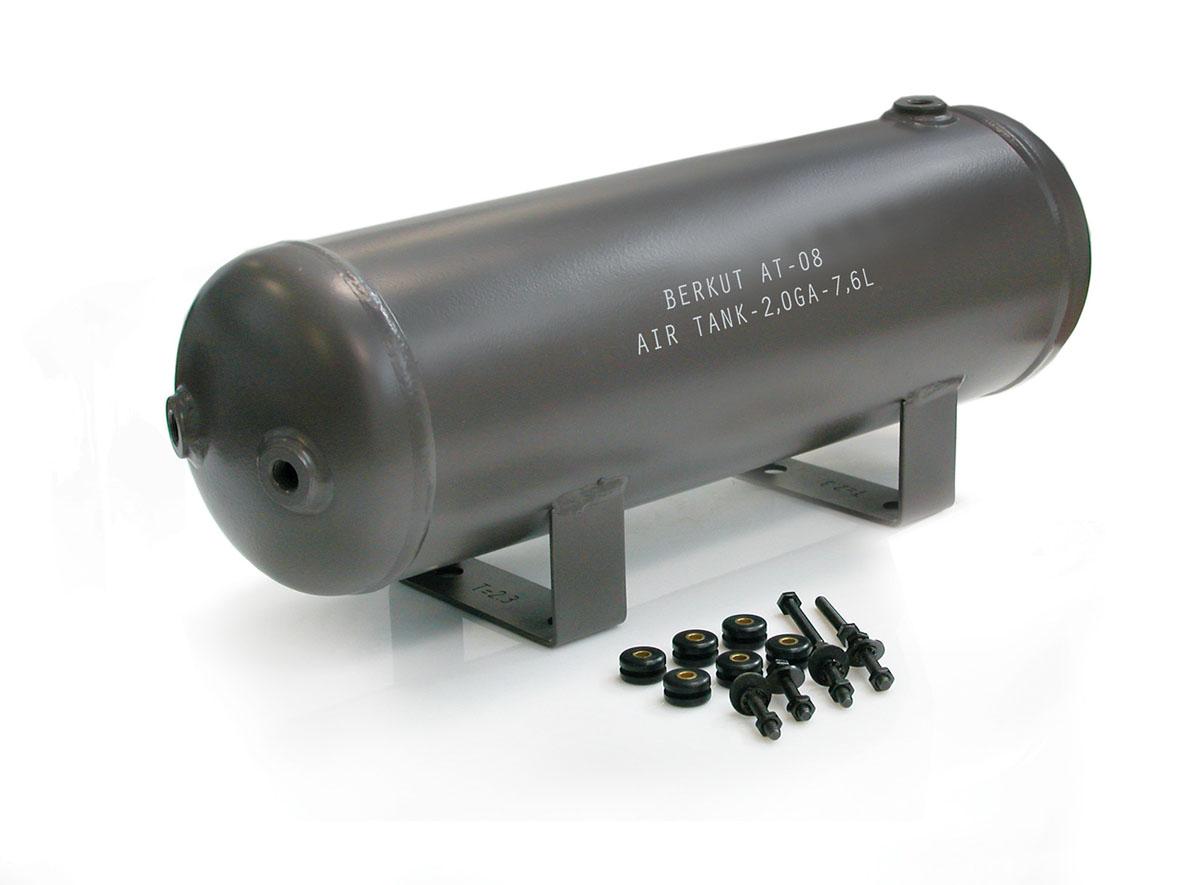 Ресивер (7,6 литров) BERKUT AT-08AT-08Технические характеристики: - Рабочее давление: до 150 PSI (10,5 Атм) - Установочные технологические отверстия: 6 шт (резьба 1/4) - Диапазон рабочих температур: от -40°C до +80°C - Размеры ресивера: 491,7x151x193,5 мм - Масса: 5,4 кг - Установочный крепежный комплект - Ёмкость ресивера : 7,6л/ 2,0 GA. Материал: металл; цвет: хаки