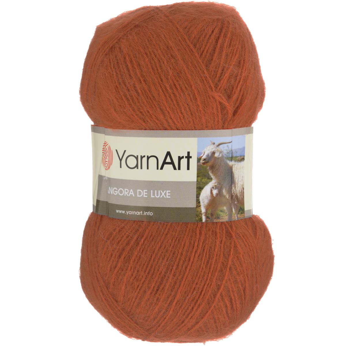 Пряжа для вязания YarnArt Angora De Luxe, цвет: терракотовый (3027), 520 м, 100 г, 5 шт372063_3027Пряжа для вязания YarnArt Angora De Luxe, изготовленная из 70% мохера и 30% акрила, очень мягкая и приятная на ощупь. Пряжа не линяет, не расслаивается, не путается в процессе вязания. Плотная, равномерно скрученная нить эластичная, гибкая, не деформируется после распускания и может быть использована вновь. Петли ложатся аккуратно, изделие не вытягивается и не косит. Пряжа YarnArt Angora De Luxe - теплая, но очень легкая, идеально подходит для изготовления зимней одежды: жилеты, свитера, кофты, кардиганы. Головные уборы, шарфы, перчатки носятся хорошо, не колются, при бережном уходе не теряют свою форму и цвет долгое время. Акрил смягчает мохеровую нить, а также обеспечивает практичность и сохранение формы изделия. Рекомендована ручная стирка до 30°C . Подходит для вязания на крючках 3,5 мм и спицах 3 мм. Толщина нити: 1 мм. Состав: 70% мохер, 30% акрил. В настоящее время вязание плотно вошло в нашу жизнь, причем не...