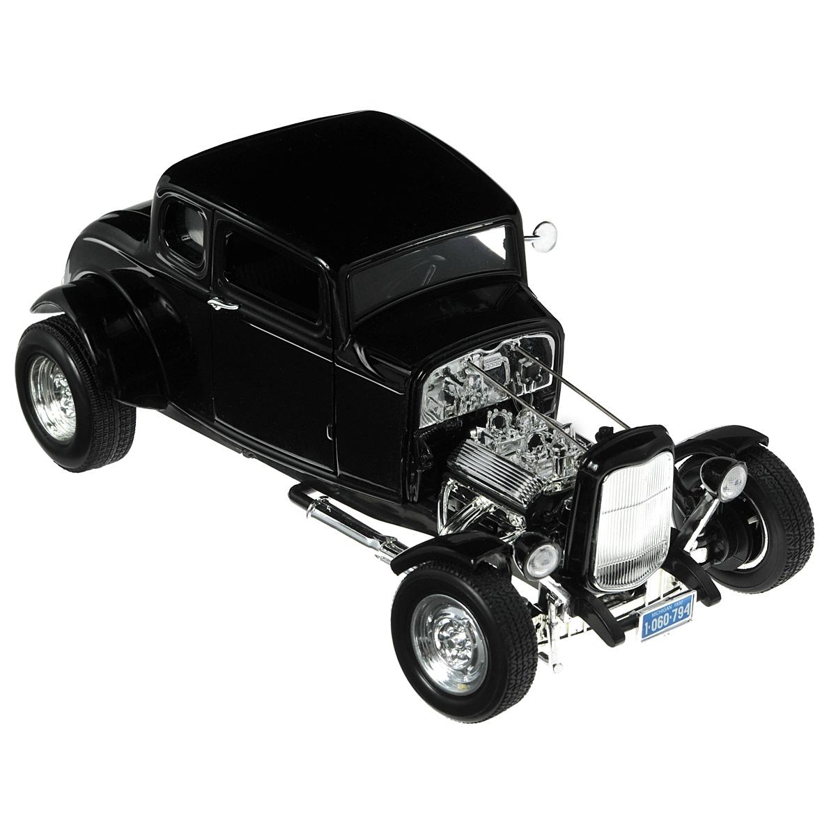MotorMax Модель автомобиля Ford Hot Rod 1932 цвет черныйblack/ast73172ACКоллекционная модель MotorMax 1932 Ford Hot Rod станет хорошим подарком для любого ценителя автомобилей. Перед вами Ford Hot Rod – великолепный представитель американской классики первой трети XX века. Хот-роды стали родоначальниками современного стрит-рейсинга, сочетая в себе как элемент нелегальных гонок, так и большое внимание к тюнингу, из-за чего каждая машина была фактически произведением искусства. Машинка изготовлена из литого металла, некоторые элементы, включая отделку салона, пластиковые. На колесах автомобиля – резиновые шины. У модели открывающиеся двери, поворачивающийся руль и колеса. Модель помещена на пластиковую подставку с оригинальным названием автомобиля. Машинки фирмы Motormax изготавливаются из качественных и безопасных материалов.