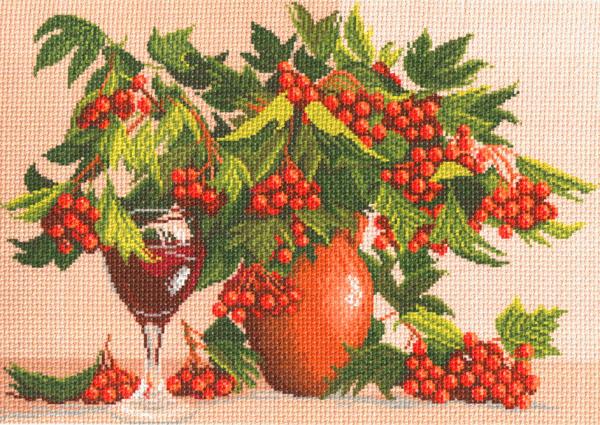 Канва с рисунком для вышивания Красный букет, 37 см х 49 см. 426596_822551068Канва с рисунком для вышивания Красный букет изготовлена из хлопка. Вышивка выполняется в технике полный крестик в 2-3 нити или полукрестом в 4 нити. Создайте свой личный шедевр - красивую вышитую картину. Работа, выполненная своими руками, станет отличным подарком для друзей и близких! УВАЖАЕМЫЕ КЛИЕНТЫ! Обращаем ваше внимание, на тот факт, что цвет символа на ткани может отличаться от реального цвета нити мулине. Рекомендуемое количество цветов: 23.