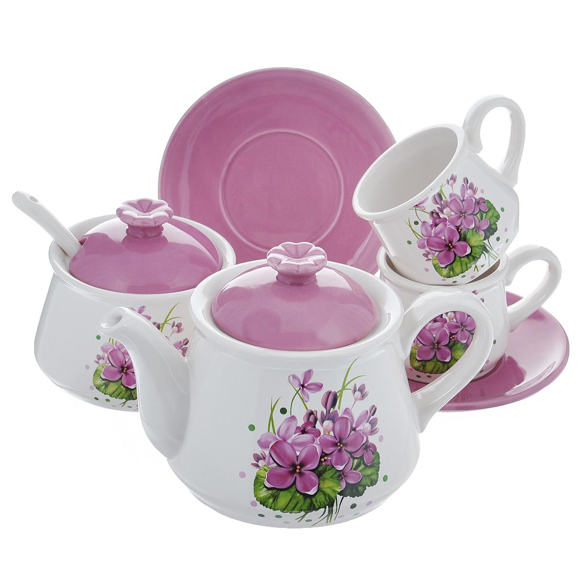 Набор чайный Нежные цветы, цвет: фиолетовый, белый, 7 предметовDFC01550/553/549-02212 7/SНабор чайный Нежные цветы состоит из двух чашек, заварочного чайника, сахарницы и ложечки. Набор выполнен из доломитовой керамики и декорирован изображением цветов. Оригинальный дизайн, эстетичность и функциональность набора позволят ему стать достойным дополнением к кухонному инвентарю. Можно мыть в посудомоечной машине на минимальной температуре. Объем чашки: 250 мл. Диаметр чашки (по верхнему краю): 8 см. Высота чашки: 7 см. Диаметр блюдца: 16 см. Объем сахарницы: 500 мл. Диаметр сахарницы (по верхнему краю): 11 см. Высота сахарницы (без учета крышки): 8 см. Объем чайника: 1,2 л. Диаметр чайника (по верхнему краю): 12 см. Высота чайника (без учета крышки): 11 см. Длина ложки: 16 см.