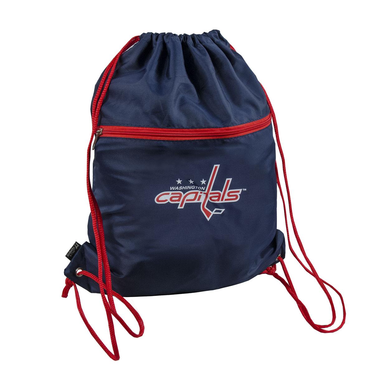 Мешок на шнурке NHL Capitals, цвет: синий, 15 л58023Мешок на шнурке NHL Capitals выполнен из 100% полиэстера. Он выполняет функции рюкзака, благодаря плечевым лямкам, которые надежно фиксируют изделие у его верхнего основания. Мешок имеет 2 отделения, одно из которых закрывается на молнию. Украшен эмблемой хоккейной команды Capitals.