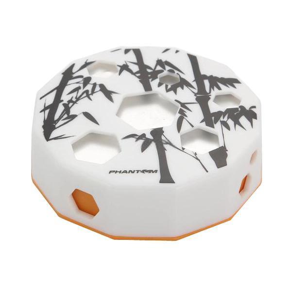 Ароматизатор Bamboo ЛимонPH3159Бамбуковый уголь, который является основой ароматизатора Bamboo, отлично поглощает влагу и неприятные запахи, наполняя салон Вашего автомобиля легкими свежими ароматами. Благодаря собственным адсорбирующим свойствам, бамбуковый уголь считается источником полезных отрицательных ионов, что способствует ионизации и очищению воздуха от бактерий и ядовитых веществ - аммиака, бензола, толуола, а также формальдегида и других токсичных веществ, содержащихся в табачном дыме. Характеристики: Материал: прессованный бамбуковый уголь, пластик, фольга. Размер упаковки: 10 см х 10 см х 3 см. Цвет: белый, оранжевый. Артикул: PH3159.