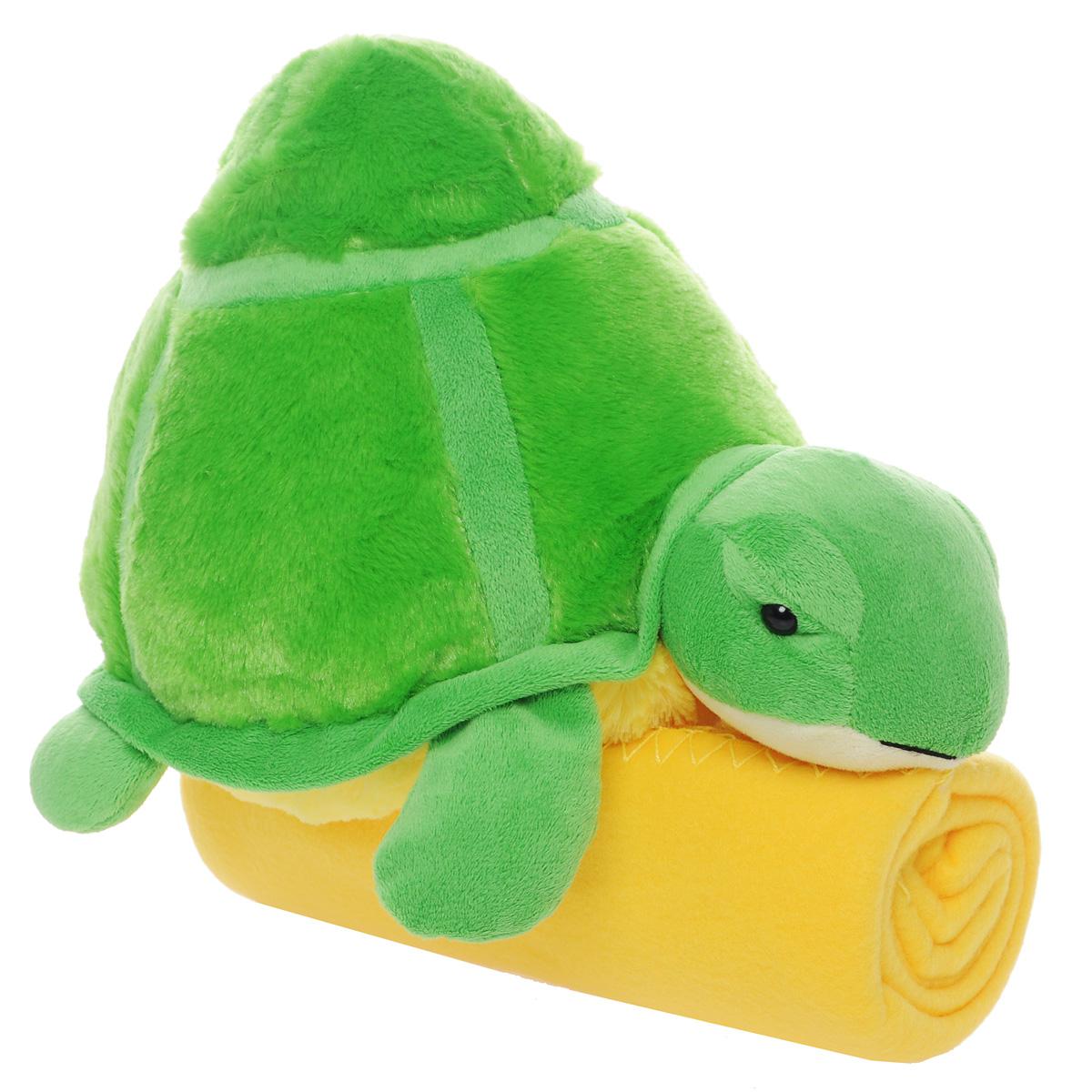Набор Home Queen Черепашка: плед, игрушка, цвет: зеленый, желтый67427Набор Home Queen Черепашка состоит из мягконабивной игрушки и флисового пледа желтого цвета. Мягкий флисовый плед согреет в прохладные вечера и сделает ваш дом уютным. Плед не скатывается и не вызывает аллергии, легко стирается и быстро сохнет. Таким пледом можно уютно укрыться дома или взять с собой в путешествие. Игрушка в виде черепашки изготовлена из приятного на ощупь плюша с мягким синтепоном внутри. Может использоваться как подушка. Набор Home Queen Черепашка - интересный и полезный подарок для ребенка. Плед и игрушка прекрасно дополнят интерьер детской и порадуют вашего малыша.