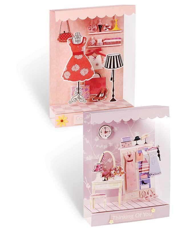 Набор для создания миниатюр Белоснежка, 2 шт. 627-SB627-SBНабор для создания миниатюр Белоснежка позволит вам и вашему ребенку создать 2 оригинальные миниатюры из картона в стиле скрапбукинга, украшенные текстильными лентами, стразами, пайетками и декоративными элементами в виде цветов. Получившиеся миниатюры станут прекрасным подарком родным и близким. Скрапбукинг - это хобби, которое способно приносить массу приятных эмоций не только человеку, который этим занимается, но и его близким, друзьям, родным. Это невероятно увлекательное занятие, которое поможет вам сохранить наиболее памятные и яркие моменты вашей жизни, а также интересно оформить интерьер дома. В набор входят: - заготовка для миниатюры из картона: 2 шт., - витрина (18 см х 13 см): 2 шт., - клеевая подушечка: 100 шт., - декоративные элементы (вырубка из бумаги): 42 шт., - лента текстильная: 2 шт., - пластиковые прозрачные полоски: 8 шт., - стразы (2 цвета), - пайетки (2 цвета), -...