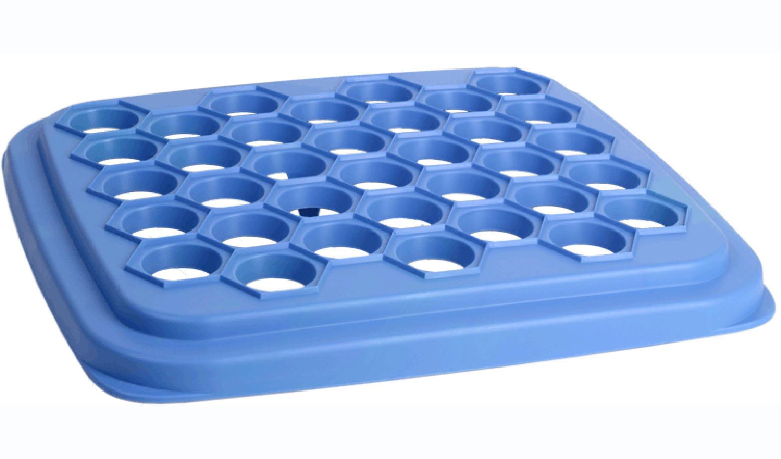 Пельменница Idea, цвет: сиреневый, 25,5 см х 28,5 смМ 1205Пельменница Idea, выполненная из полистирола, предназначена для быстрого и легкого приготовления пельменей. Использовать пельменницу очень просто: - раскатайте тесто, - положите на форму первый слой раскатанного теста, - разложите кусочки мяса, слегка утопив их в ячейках, - накройте вторым слоем теста и пройдитесь скалкой, - пельмени слеплены и отделены от формы. Пельменница Idea - это функциональное и необходимое в каждом доме приспособление. С ним готовка и лепка займет намного меньше времени, а пельмени получатся идеально ровной формы. Размер пельменницы: 25,5 см х 28,5 см х 3 см. Диаметр ячейки для пельменей: 3 см.