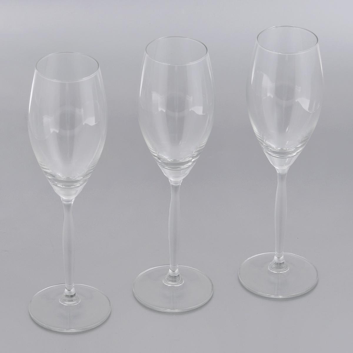 Набор бокалов для шампанского Royal Leerdam Fluente, 220 мл, 3 шт311716Набор Royal Leerdam Fluente состоит из 3 бокалов, выполненных из высококачественного стекла. Бокалы предназначены для подачи шампанского. Набор бокалов прекрасно оформит сервировку стола и создаст в доме атмосферу праздника и уюта. Можно мыть в посудомоечной машине.