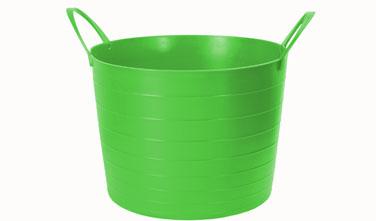 Корзина мягкая Idea, цвет: ярко-зеленый, 17 лМ 2880Мягкая корзина Idea изготовлена из гибкого полиэтилена и оснащена двумя удобными ручками. Внутренняя поверхность имеет отметки литража. Такой корзинке можно найти множество применений в быту: для строительства, для сбора фруктов, овощей и грибов, для хранения бытовых предметов и многого другого. Такая корзина пригодится в любом хозяйстве. Размер (без учета ручек): 33,5 х 33,5 х 24 см.