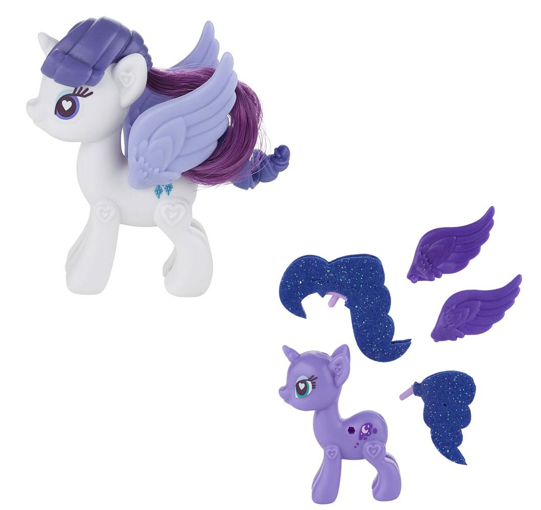 My Little Pony Pop Игровой набор Пони Рарити и Принцесса Луна ДелюксA8205Игровой набор My Little Pony Pop Пони Рарити и Принцесса Луна Делюкс откроет перед вашей малышкой невероятные возможности! Создай своего собственного уникального пони вместе с Рарити и Принцессой Луной! Это так легко! Нужно просто соединить две части туловища пони и украсить его по своему вкусу. Прикрепи своим пони красивые гривы, хвосты и даже пару чудесных крыльев! Не забудь про наклейки! Но оставь несколько штук для украшения браслета, который ты сможешь носить сама или подарить своей подружке. Комбинируйте различные хвосты и гривы от других пони из других наборов (другие комплекты продаются отдельно). Используй свою фантазию! Твои возможности безграничны! Игры с такой игрушкой поспособствуют развитию у ребенка фантазии и любознательности, помогут овладеть навыками общения, воспитают чувство ответственности и заботы. Благодаря маленькому размеру фигурки ребенок сможет взять ее с собой на прогулку или в гости. Порадуйте свою малышку таким замечательным подарком!