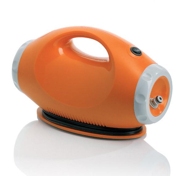 Портативная мини-мойка BERKUT Smart Washer SW-C1SW-C1Mодель: SW-C1 12 Вольт напряжение 9 Бар максимальное рабочее давление 2 л/мин производительность 60 Вт мощность 15 Литров мягкое ведро-трансформер SMART WASHER - Подходит для мойки велосипедов, мотосредств, автомобилей, фургонов, мебели для пикника, обуви и одежды, домашних животных, работ в саду и многое другое.. SMART WASHER - Создает высокое давление воды при её малом потреблении. SMART WASHER - Экономична в потреблении энергии. SMART WASHER - Компактная, портативная, безопасная, с большим сроком службы.