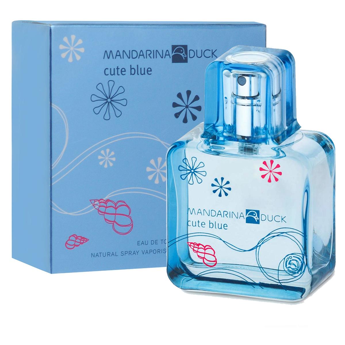 Mandarina Duck Туалетная вода Cute Blue, женская, 30 мл47102Туалетная вода Cute Blue от Mandarina Duck - свежий водный и цветочно-фруктовый аромат для тех, кто любит природу и открытое пространство. Древесная теплота базовых нот гармонизирует это парфюмерное творение. Освежающий аромат тысячи лепестков, парящих в воздухе…Аромат счастья, витающего в светлом голубом небе. Лотос, магнолия и цветы грейпфрута соединяются с игривым имбирем и нотами росы. Вуаль белого мускуса, серой амбры и кедра наполняет аромат нежным сексуальным шлейфом… Классификация аромата : свежий, цветочно-фруктовый. Пирамида аромата : Верхние ноты: цветы грейпфрута, бергамот, голубой лотос. Ноты сердца: свежий имбирь, магнолия, воздушная дымка. Ноты шлейфа: масло техасского кедра, серая амбра, белый мускус. Ключевые слова Легкий, свежий, сексуальный! Туалетная вода - один из самых популярных видов парфюмерной продукции. Туалетная...