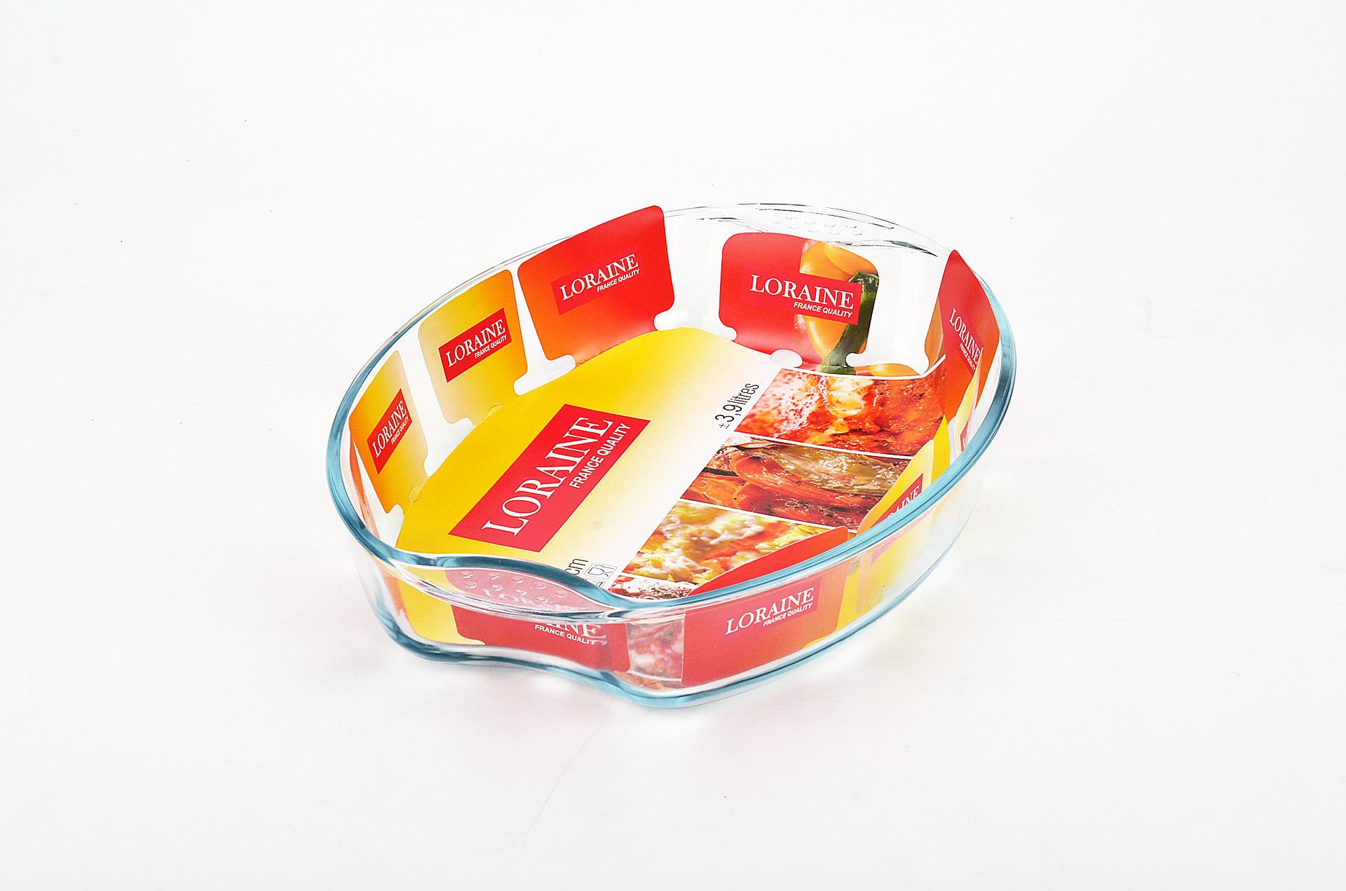 Жаровня Loraine, 3,9 л20666Овальная жаровня Loraine изготовлена из жаропрочного боросиликатного прозрачного стекла. Стеклянная посуда идеальна для запекания, так как стекло - это экологически чистый, износостойкий и долговечный материал, к которому не прилипает пища, в такой посуде пища сохраняет все свои полезные вещества и микроэлементы. Емкость идеальна для запекания в духовке птицы и мяса, для приготовления лазаньи, запеканки и даже пирогов. С жаровней Loraine вы всегда сможете порадовать своих близких оригинальной выпечкой. Подходит для использования в духовке при температуре до +400°С, в морозильной камере при температуре до -40°С. Можно использовать в микроволновой печи. Подходит для мытья в посудомоечной машине.
