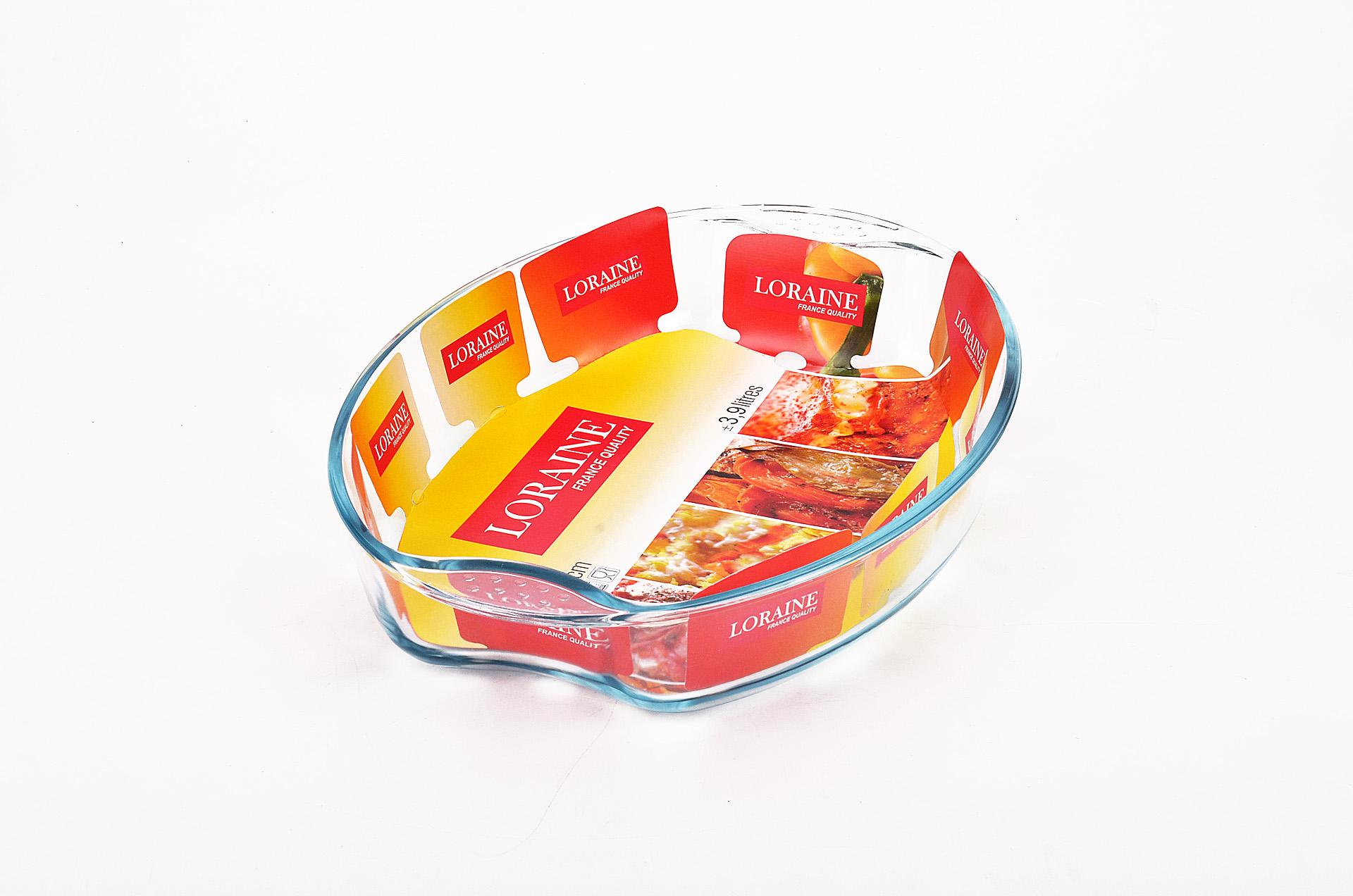 Жаровня Loraine, 2,9 л20667Овальная жаровня Loraine изготовлена из жаропрочного боросиликатного прозрачного стекла. Стеклянная посуда идеальна для запекания, так как стекло - это экологически чистый, износостойкий и долговечный материал, к которому не прилипает пища, в такой посуде пища сохраняет все свои полезные вещества и микроэлементы. Емкость идеальна для запекания в духовке птицы и мяса, для приготовления лазаньи, запеканки и даже пирогов. С жаровней Loraine вы всегда сможете порадовать своих близких оригинальной выпечкой. Подходит для использования в духовке при температуре до +400°С, в морозильной камере при температуре до -40°С. Можно использовать в микроволновой печи. Подходит для мытья в посудомоечной машине. Объем: 2,9 л. Размер жаровни (с учетом ручек): 34,5 см х 24 см. Высота стенки: 6,5 см.